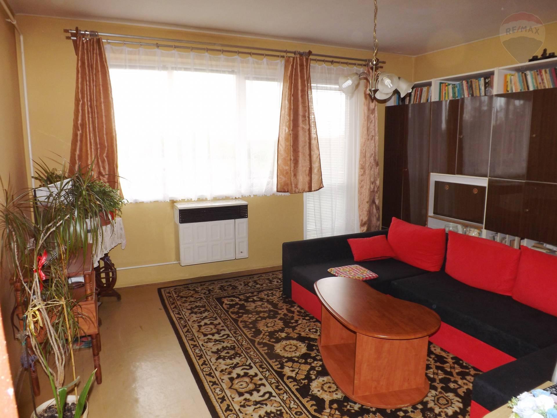 Na predaj 3 izbový byt, 76 m2, balkón, parkovacie státie, Čiližská Radvaň