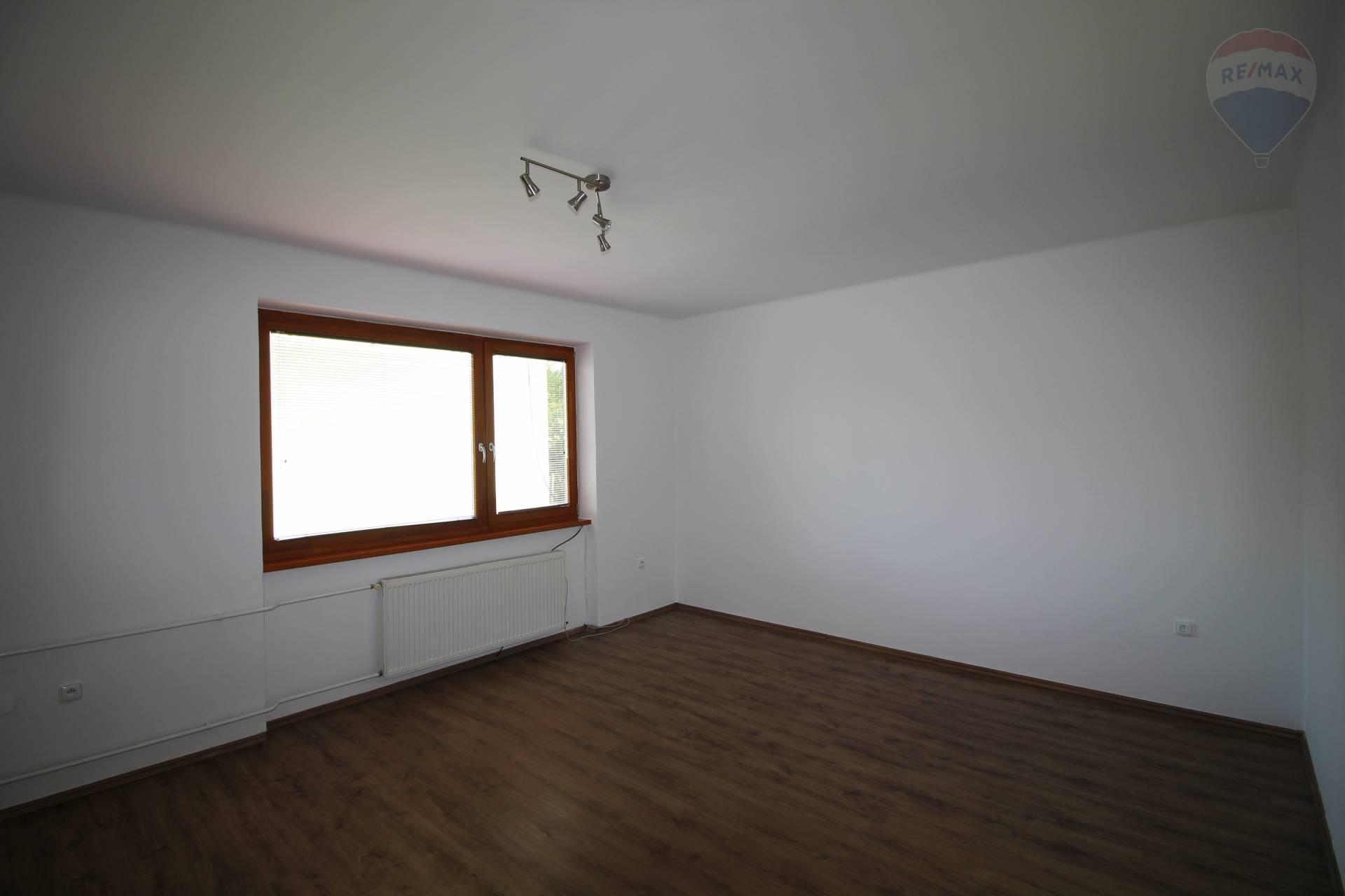 Predaj: 3-izbový byt, čiastočná rekonštrukcia, Gabčíkovo, Družstevnícka ulica, okres Dunajská Streda