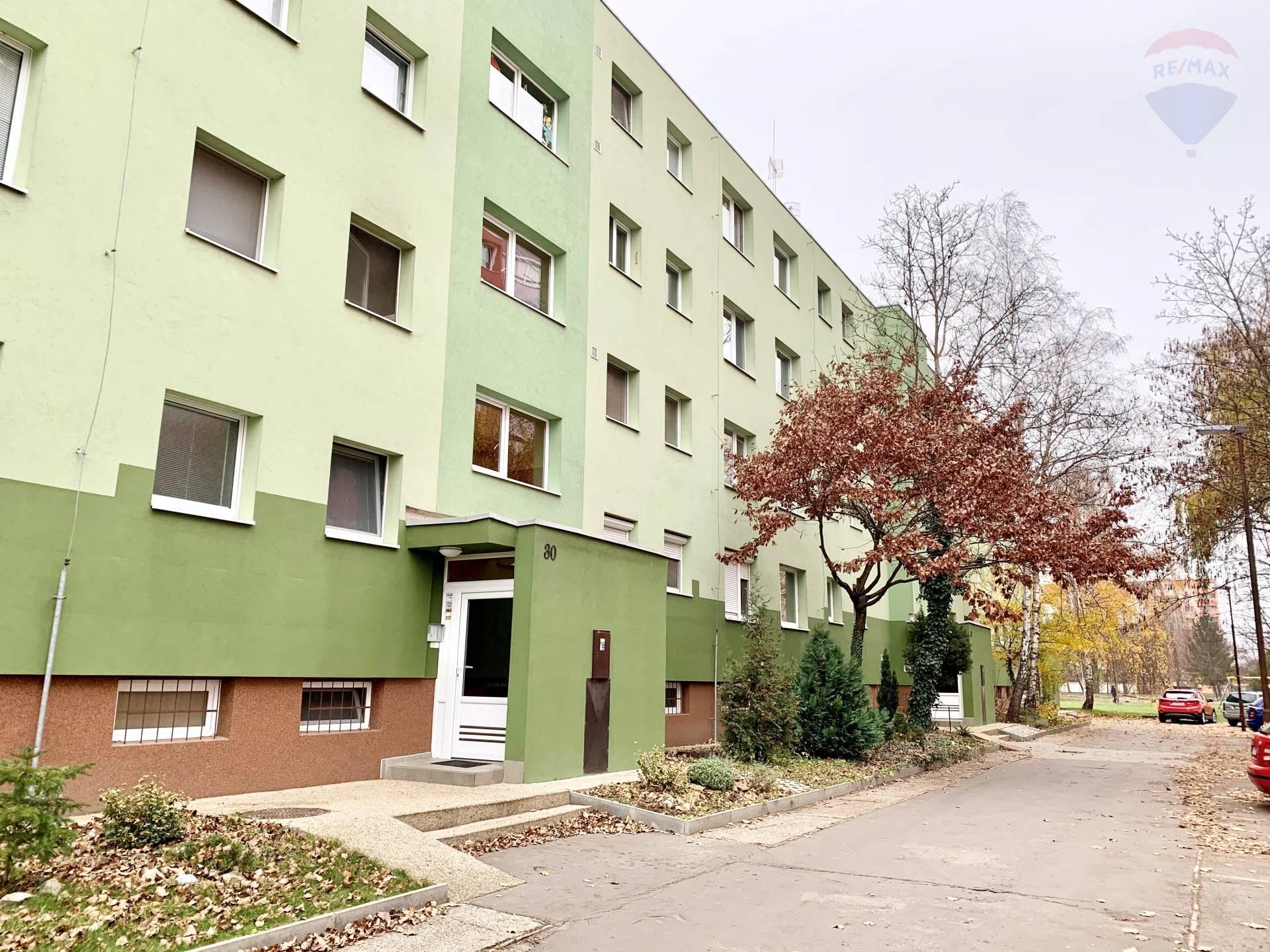 Predaj 3 izbového bytu v Dunajskej Strede, 70 m2, Smetanov háj, po rekonštrukcií, veľká pivnica