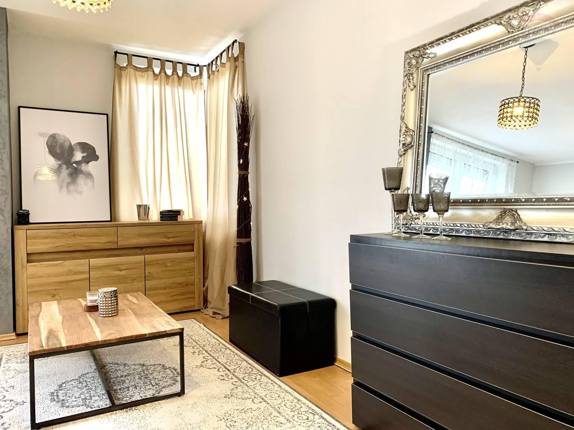 Predaj 1 izbového bytu, Dunajská Streda, centrum, 37 m2, balkón, pivnička
