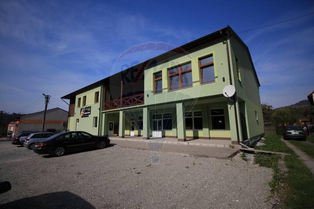 Prenájom komerčného priestoru 710 m2, Nová Bystrica - NA PRENÁJOM obchodné priestory v Novej Bystrici - Dušan Stančík