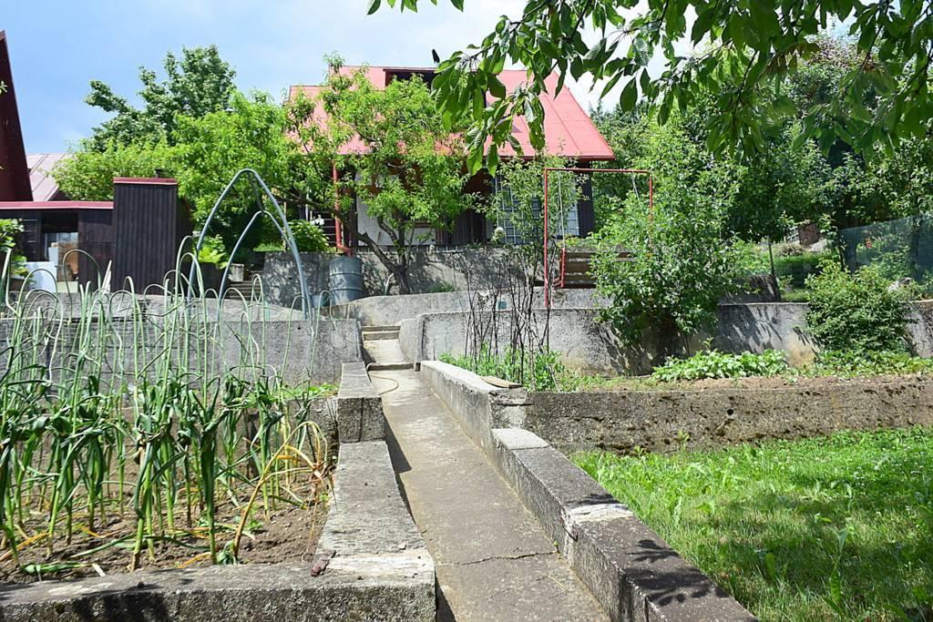 Záhradná chata, pozemok 382 m2, voda, elektrina, Bystrička