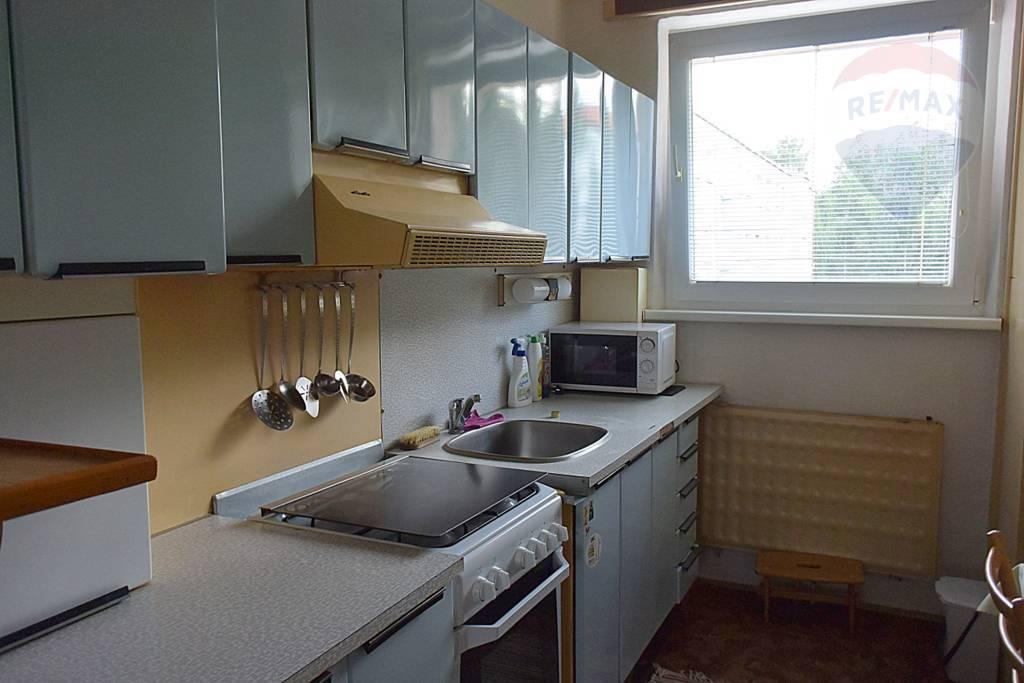 Na predaj: 3 izbový byt, 66 m2,  Martin Ľadoveň