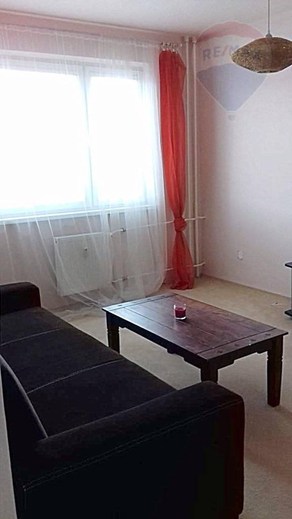 PREDAJ: 2 izbový byt /61 m2/ s balkónom, širšie centrum, Martin