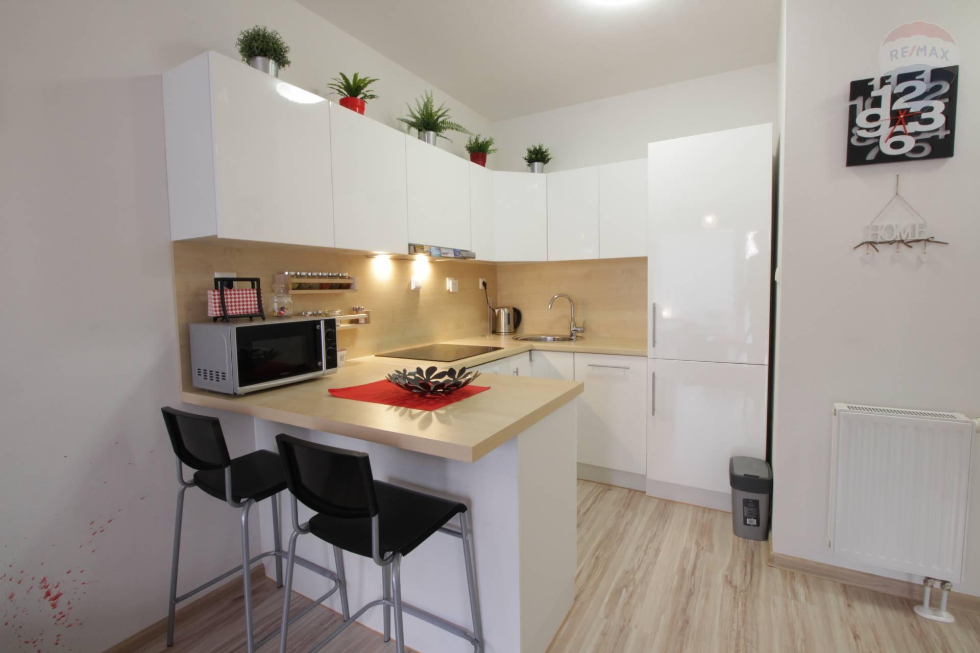 PREÁJOM: 2 izbový byt, zariadený,  novostavba,  Martin
