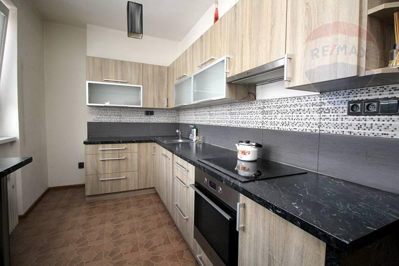 Na predaj: 3 izbový byt, 70m2, kompletná rekonštrukcia, Martin, Turany