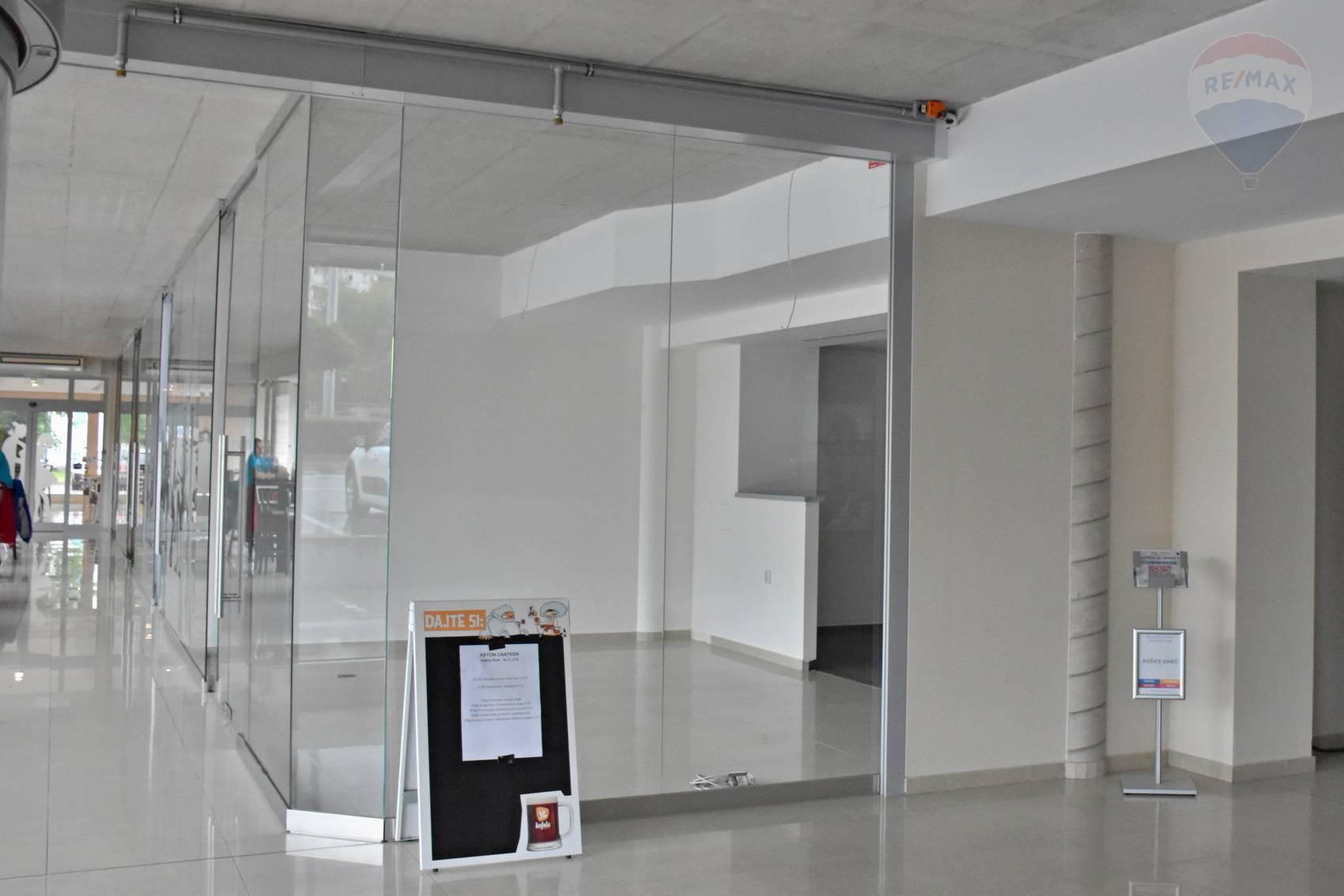 obchodné priestory v administratívnom centre 214 m2