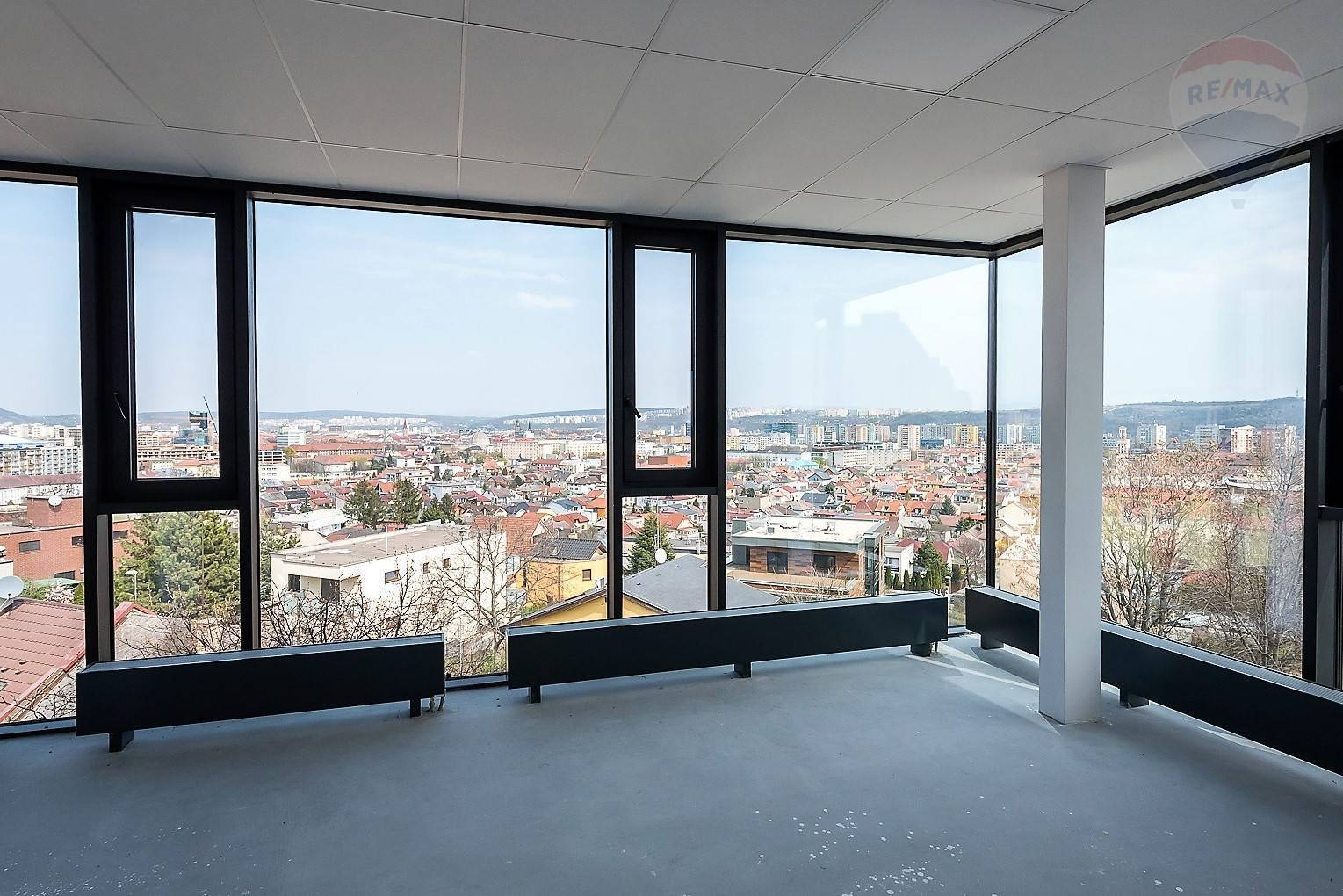 Nádherný kancelársky priestor na prenájom/Amazing office space for rent