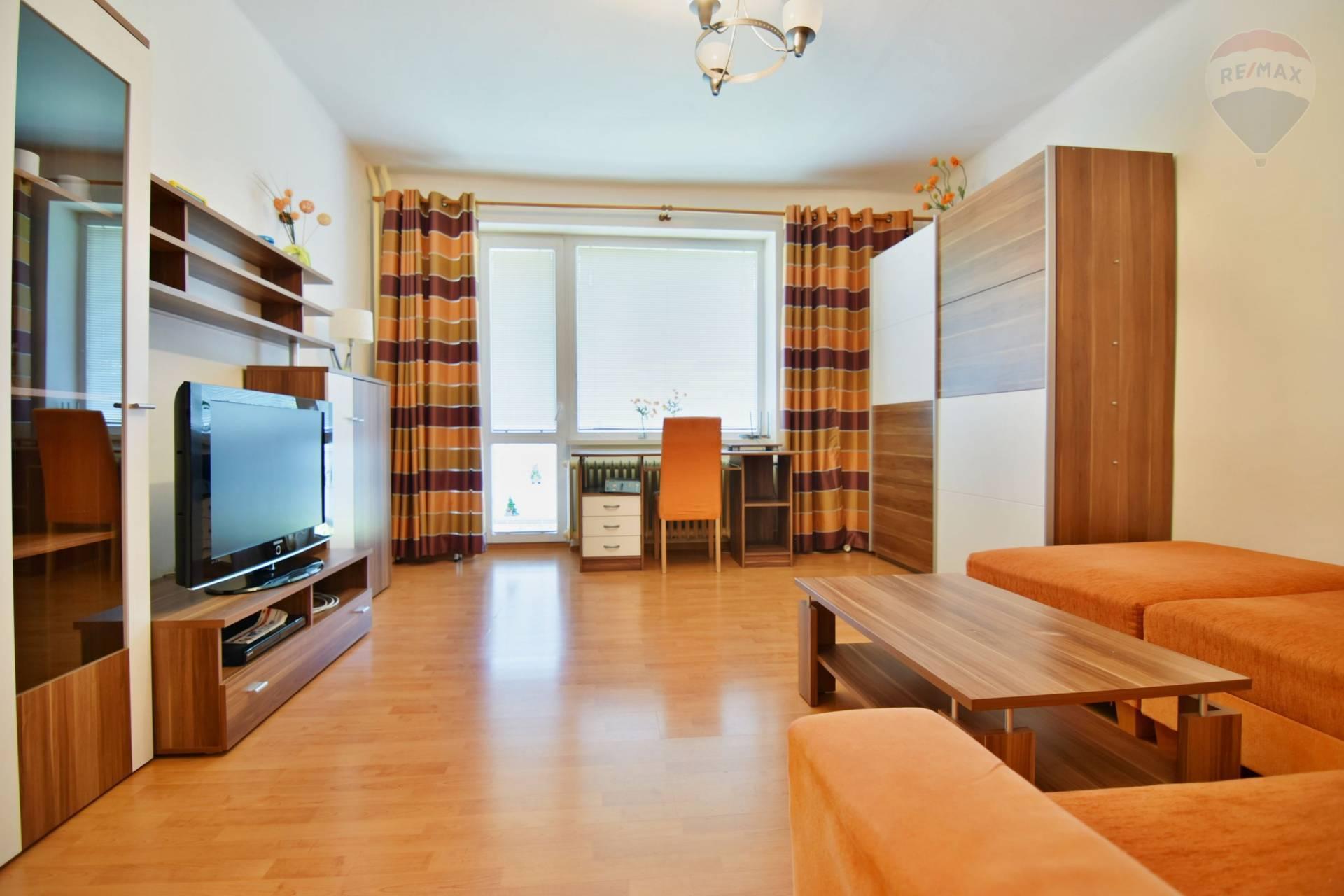 Priestranný 1 izb. byt, 44 m2, 2x loggia, ul. Tatranská