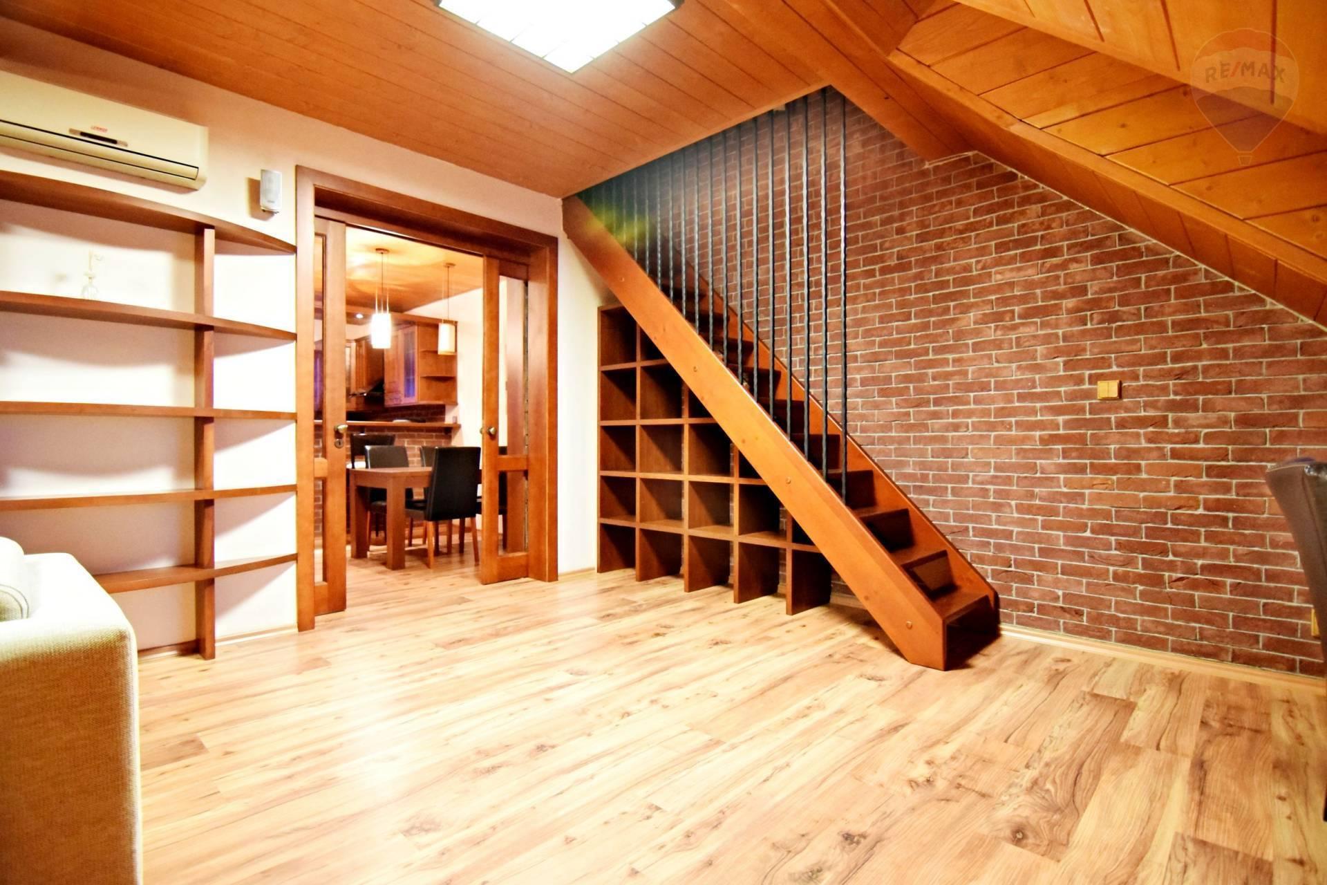 Prenájom bytu (3 izbový) 115 m2, Košice - Staré Mesto - 3 izbovy byt na prenajom Kosice