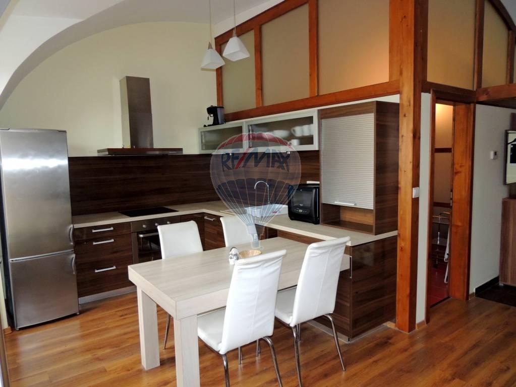 3 izb. zrekonštruovaný byt na Hlavnej, 74 m2