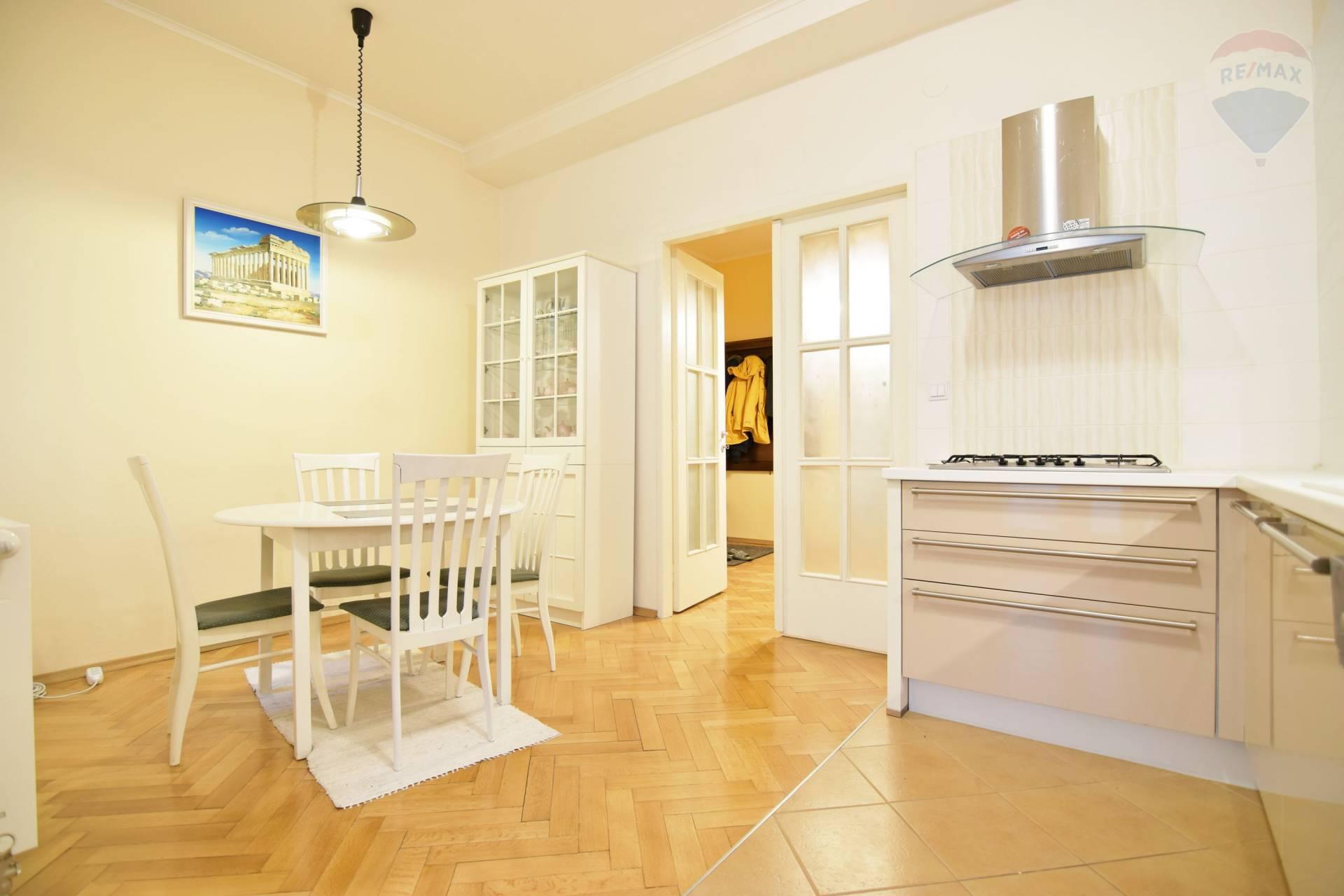 Prenájom bytu (3 izbový) 125 m2, Košice - Staré Mesto - 3 izbovy byt na prenajom Kosice