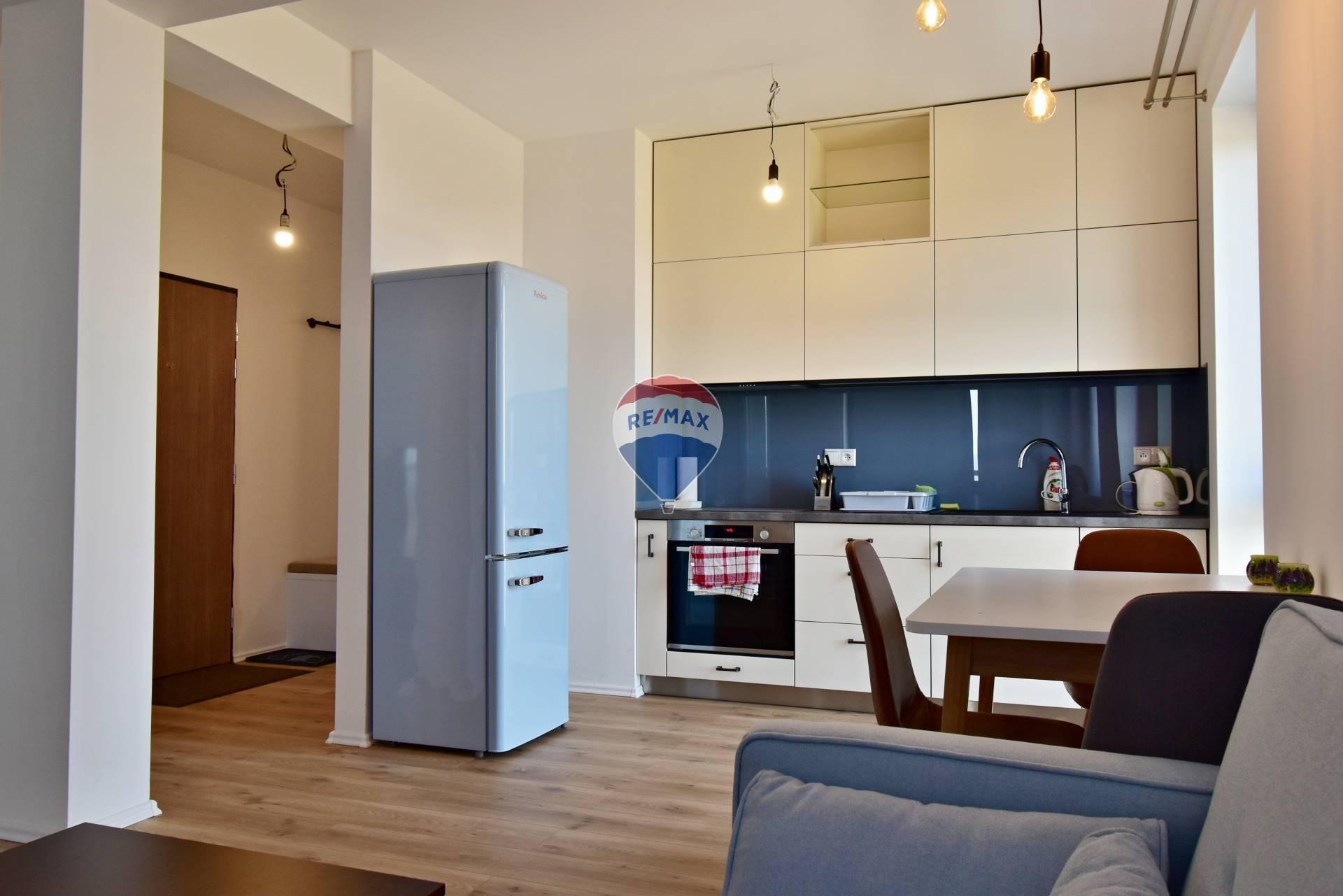 Prenájom bytu (2 izbový) 51 m2, Košice - Vyšné Opátske - 2-izbový byt, prenájom
