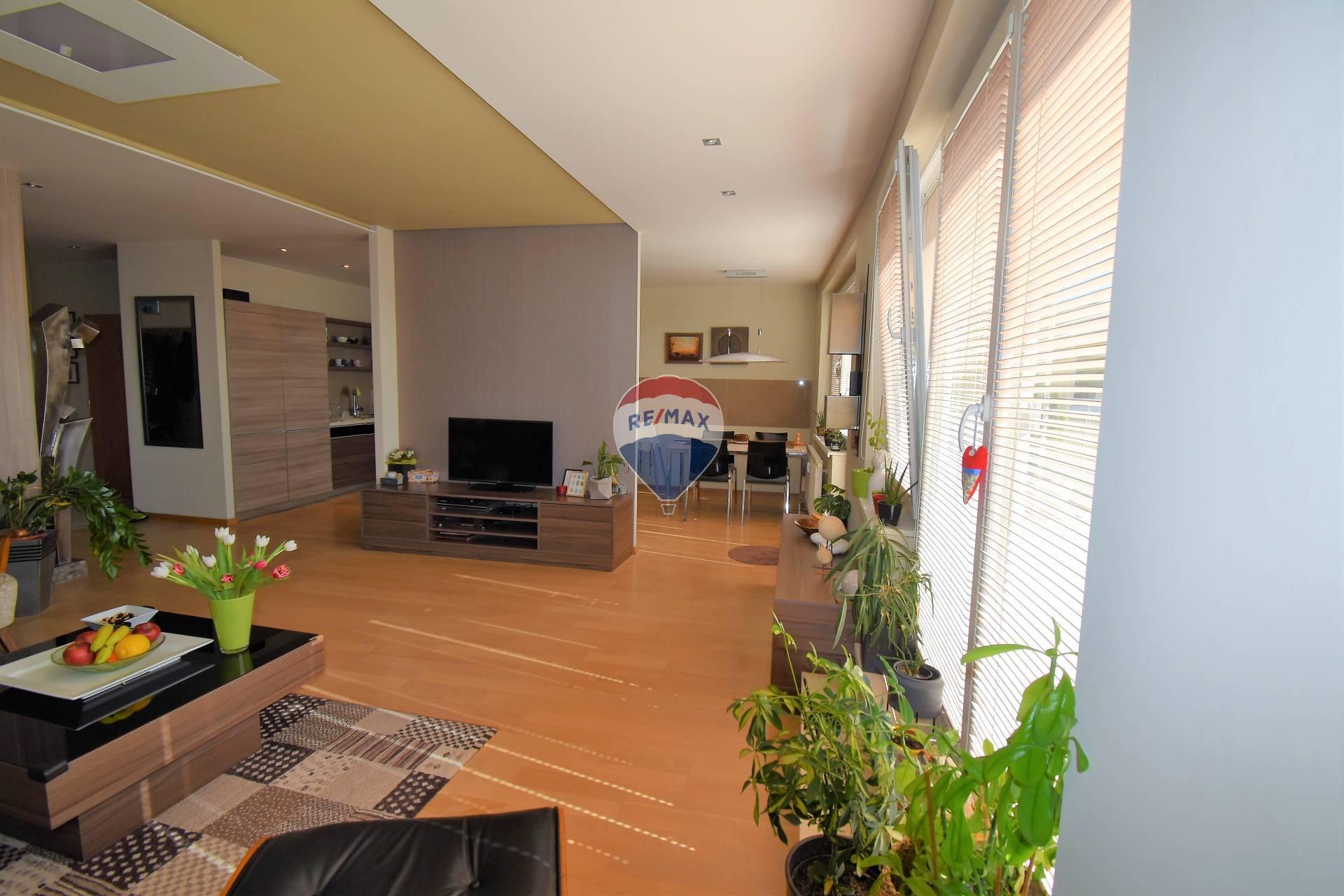 Exkluzívny 3 - izbový byt s terasou a parkovaním v garáži