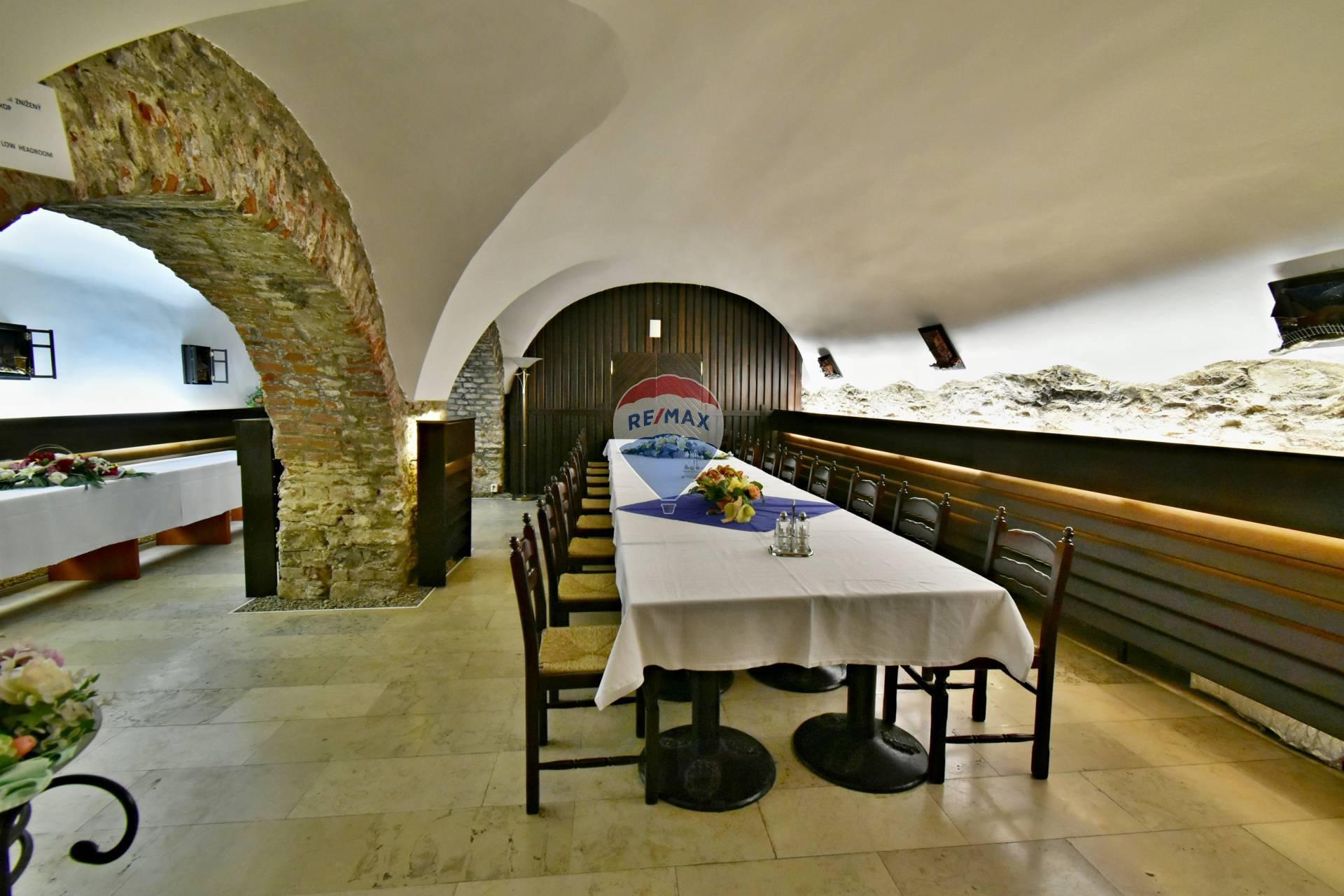 Predaj komerčného objektu 1850 m2, Košice - Staré Mesto -