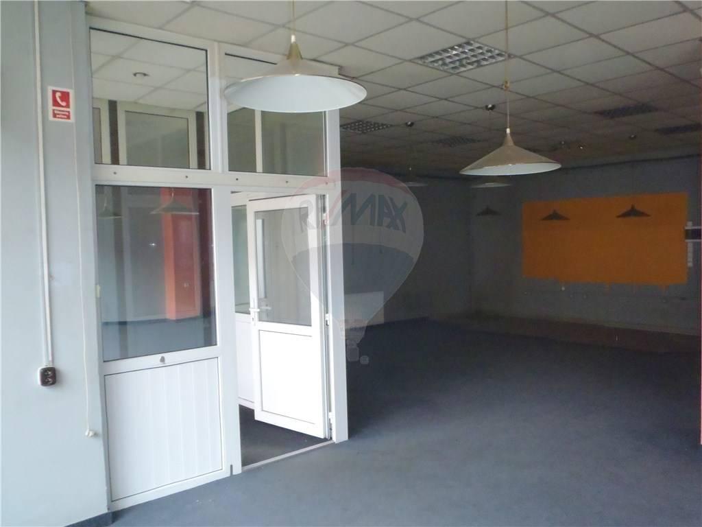 Prenájom komerčného objektu 370 m2, Lučenec - nehnuteľnosť na predaj, nehnuteľnosti na predaj, reality na predaj, realitná kancelária