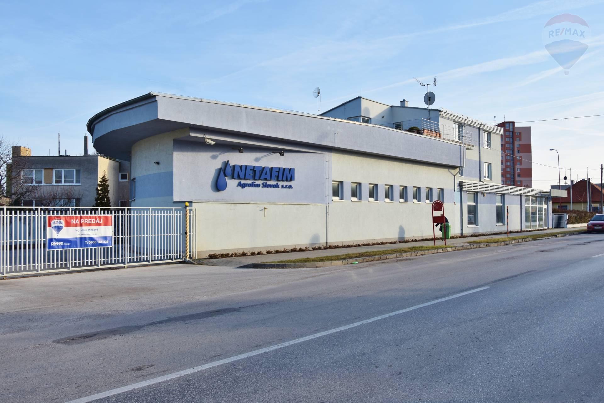 Predaj budova, 672 m2, Kancelárie, Showroom, Sklady, 3izbový byt, Bratislavská ulica, Trnava