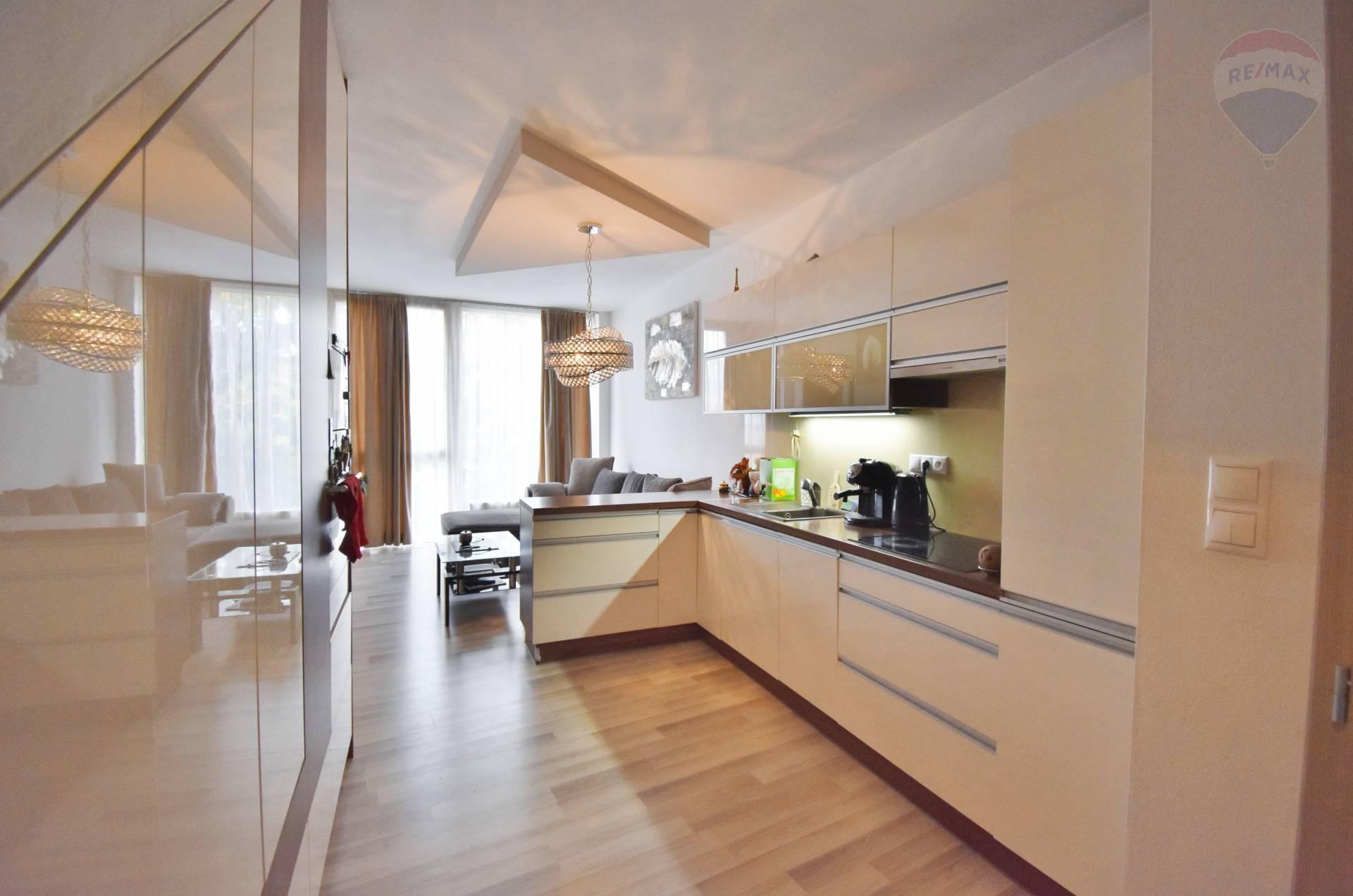 Predaj 2 izbový mezonetový byt , Novostavba, Turecká ulica, Senec, Centrum