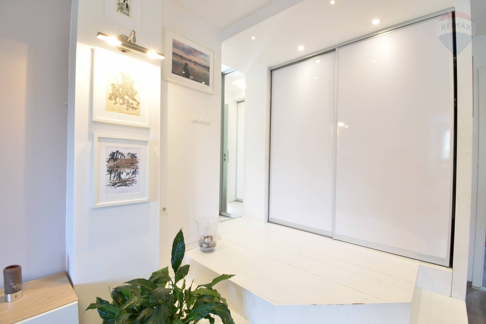 Prenájom bytu (4 izbový) 130 m2, Bratislava - Staré Mesto -
