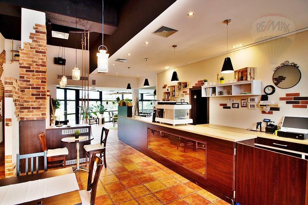 Prenájom reštaurácia, kaviareň, 310m2, budova ICT, Vajnorská ulica