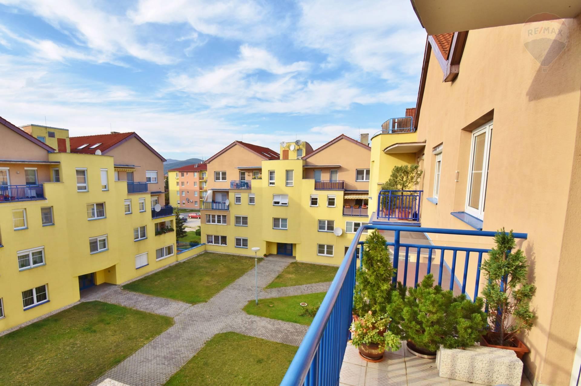 Predaj 7 izbový byt - Mezonet, 191 m2, 2x Loggia, Silvánová ulica, Pezinok