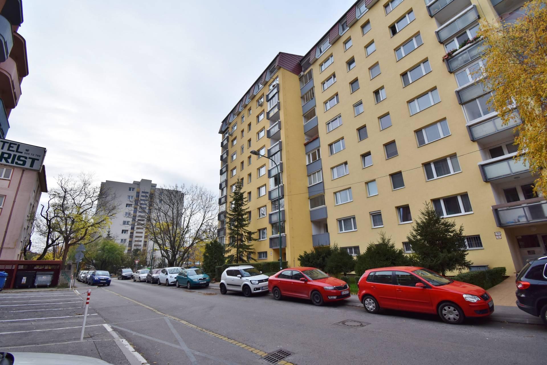 Predaj 2i bytu s loggiou, 46m2, Bratislava (Ružinov) - Ondavská
