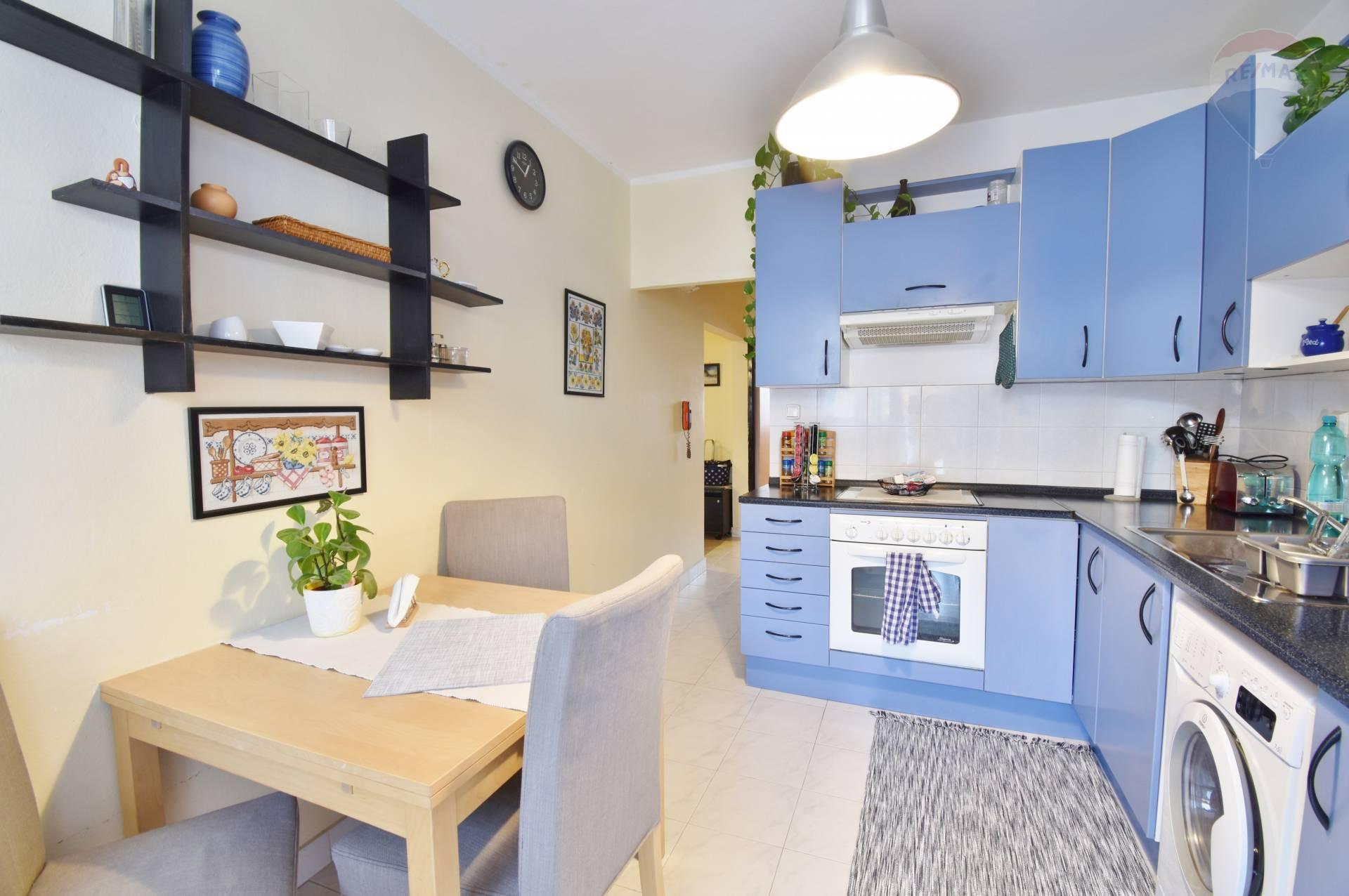 Predaj 4 izbový byt, 90 m2, Beniakova ulica, Bratislava - Karlova Ves, Loggia