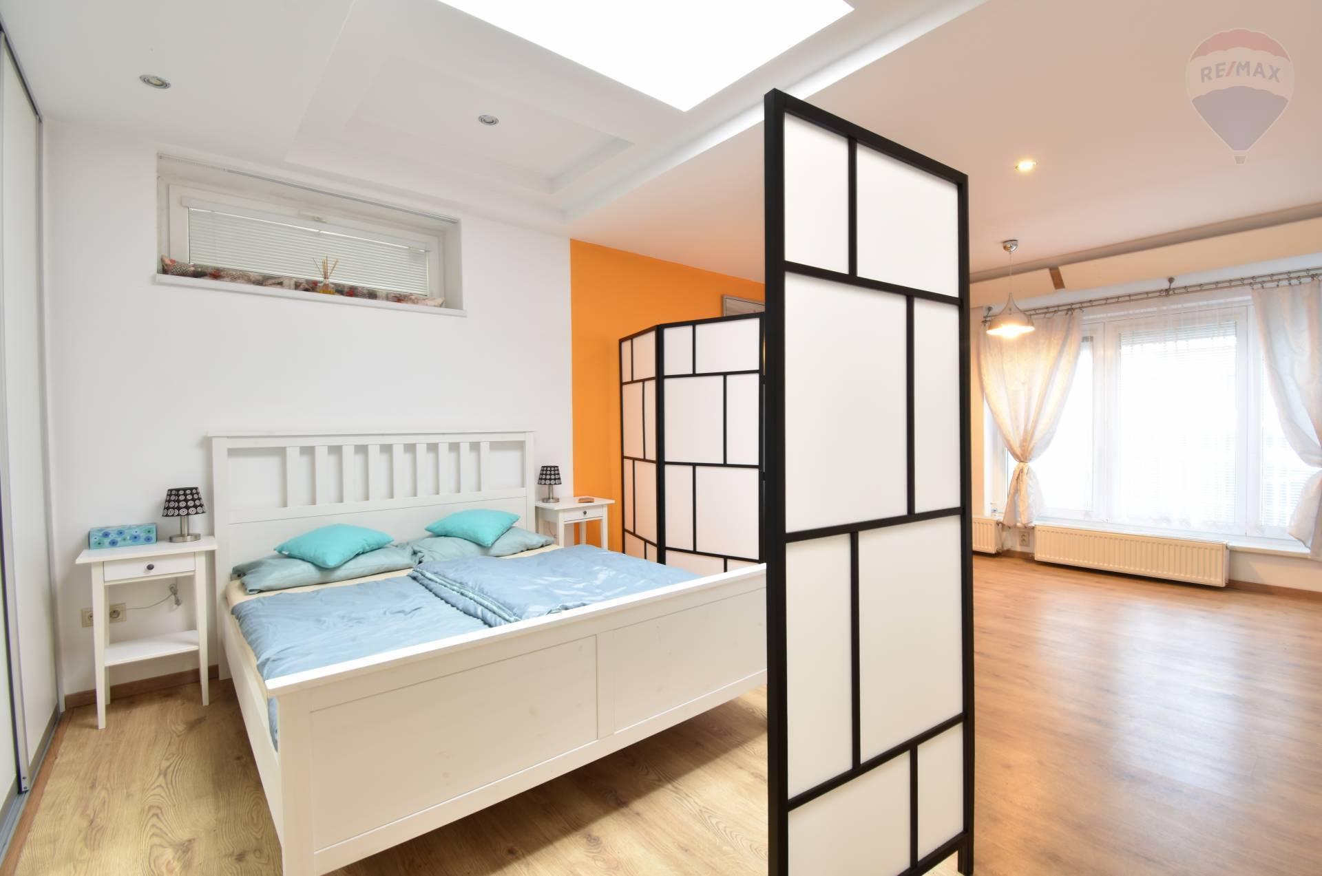 Predaj 1 izbový rodinný dom - ateliér, 59 m2, Šaštínska ulica, Karlova Ves