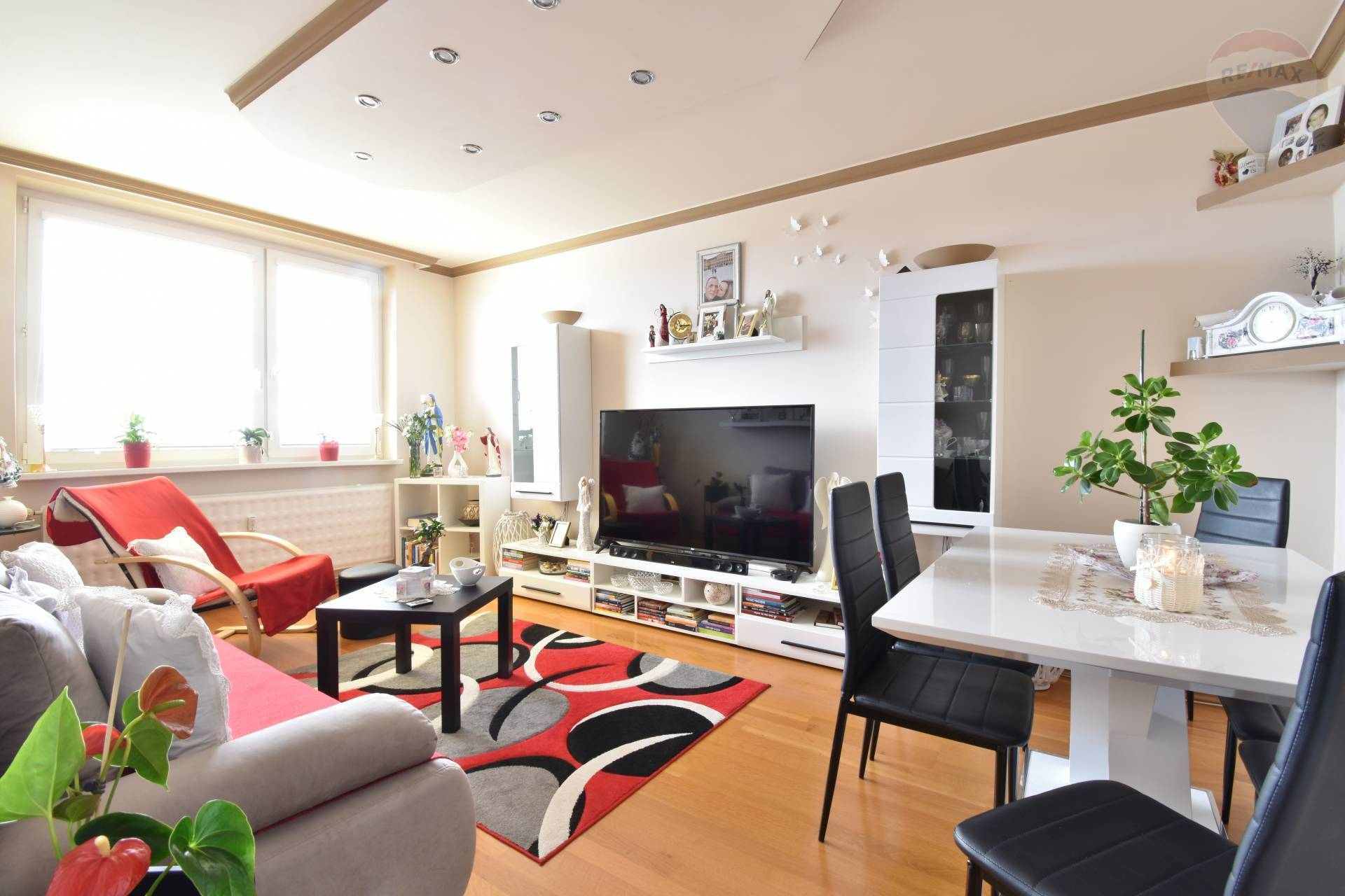 NOVINKA - Predaj 4 izbový byt, 79 m2, Štúrova ulica, Malacky, Kompletná rekonštrukcia