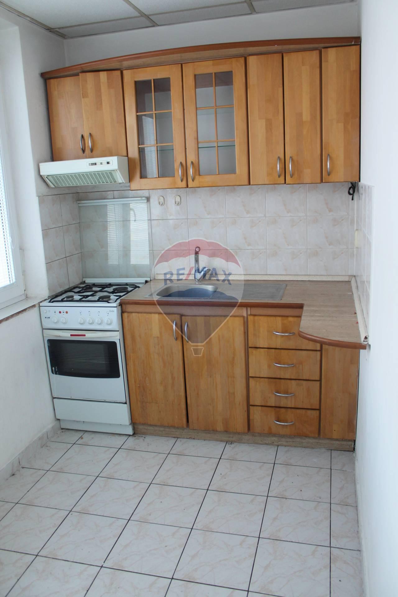 PREDAJ 3 izb. bytu, Košická ul., Senec.
