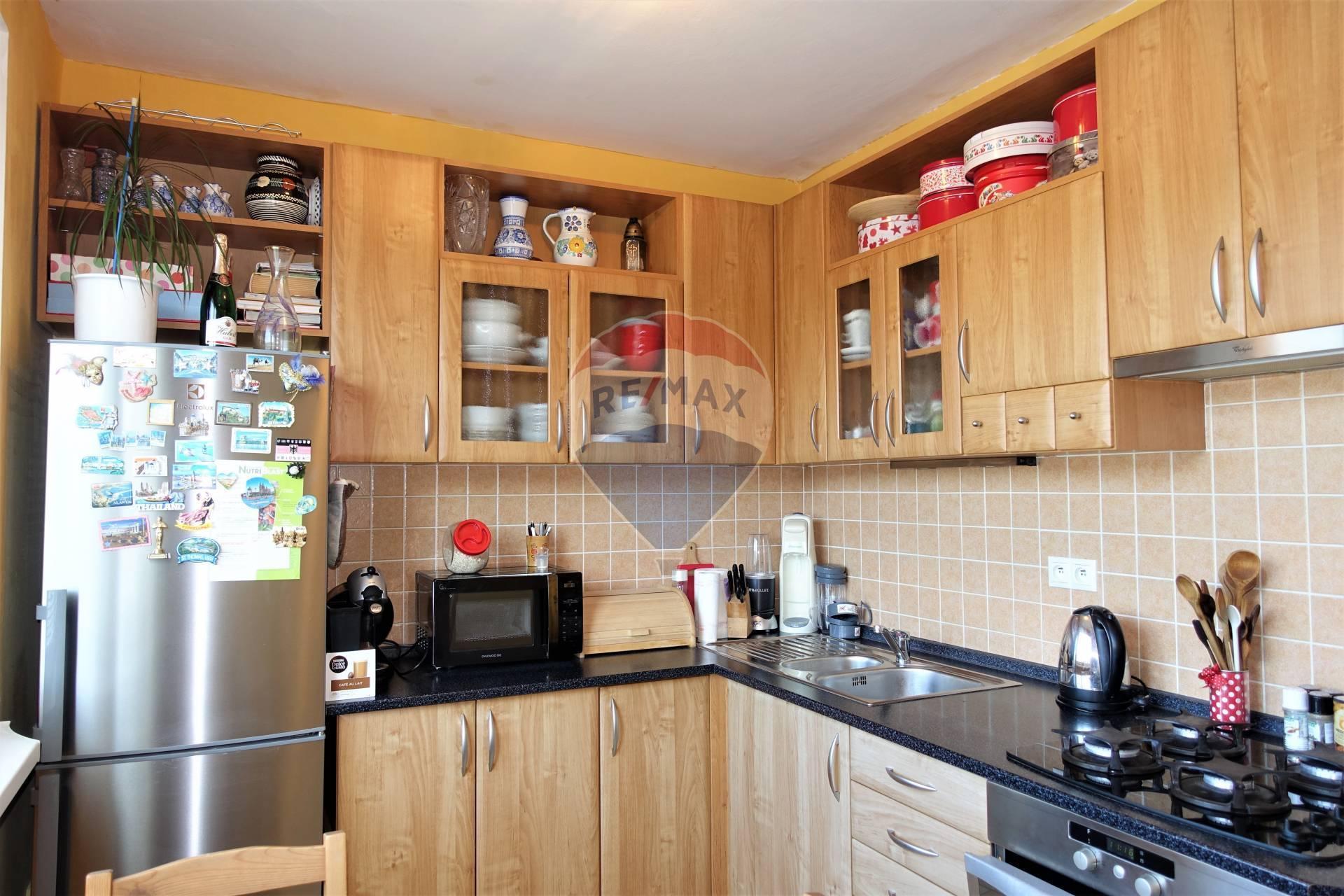 Predaj 2 izb. bytu, kompletná rekonštrukcia, ul. Galbavého