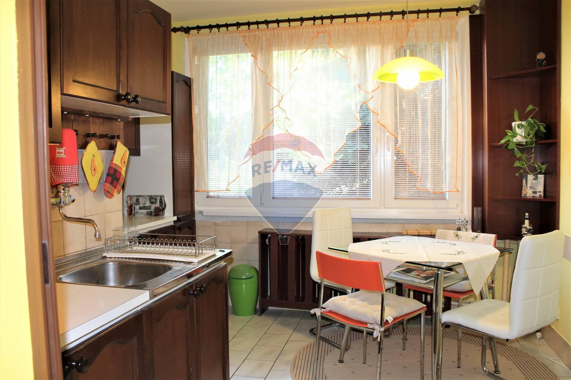PREDAJ : 3 izb. byt, 70 m2, Košická ul., Senec.