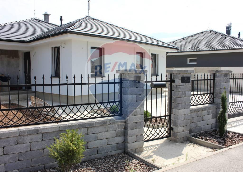 PREDAJ 4 izb. rod. domu, novostavba, pozemok 561 m2, Bernolákovo, čiastočne zariadený