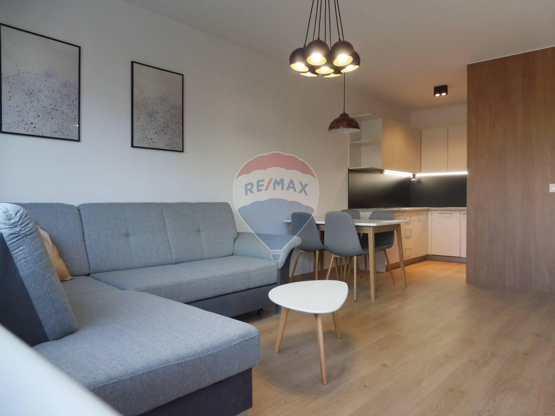 Prenájom: 2-izbový byt, Novostavba, zariadený,super lokalita, Bosákova ul.