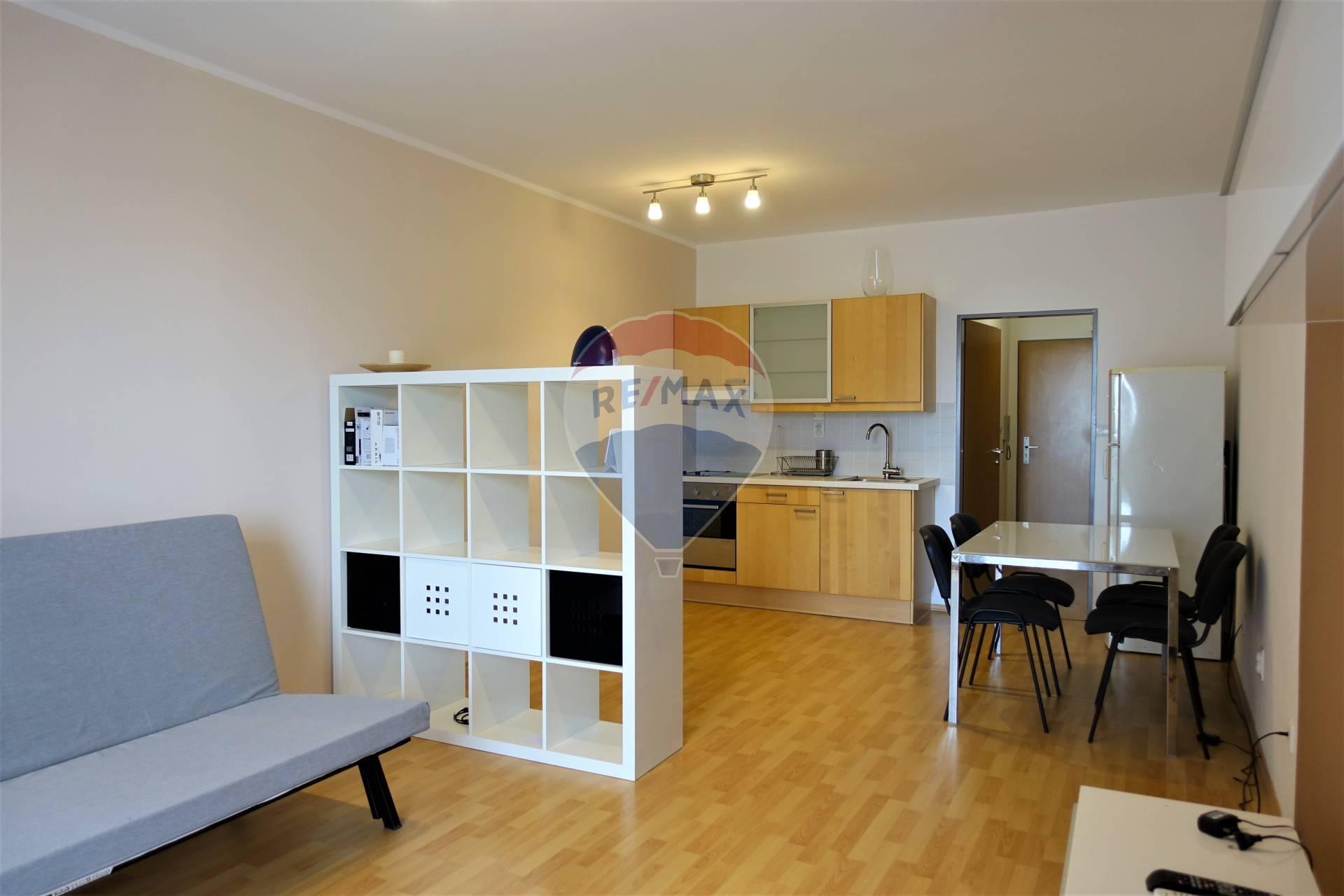 Prenájom 1 izb. zariadeného bytu v Senci, Pezinská ul.