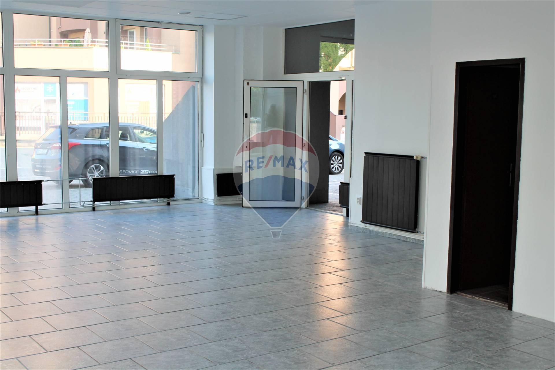PREDAJ: obchodné priestory 72 m2, Centrum, Lichnerova ul., Senec.