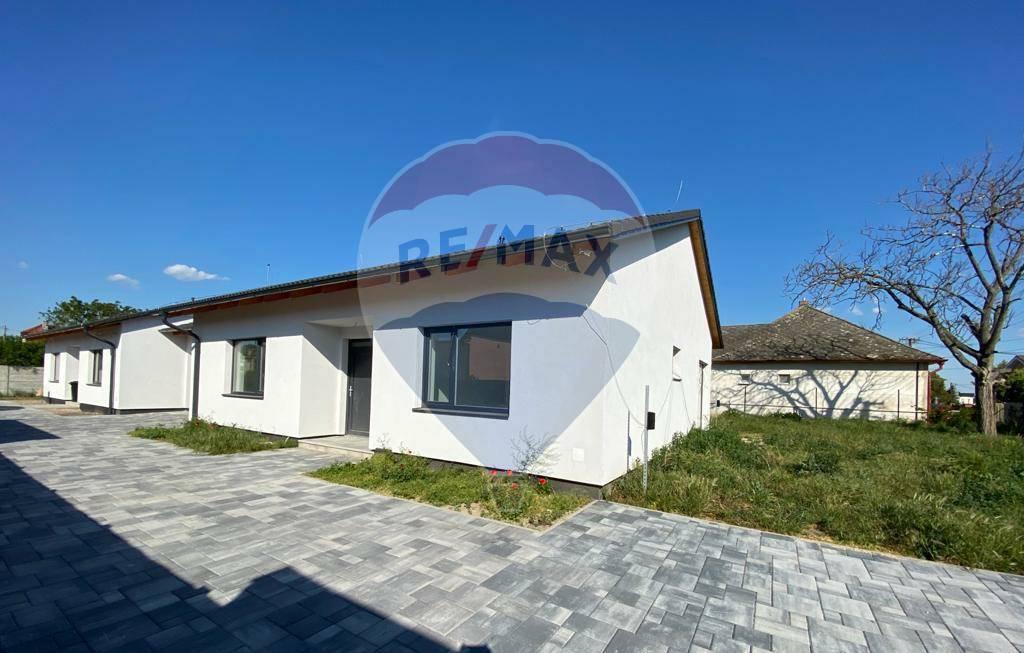 PREDAJ : 4 izb. RD NOVOSTAVBA 120 m2, garáž, pozemok 570 m2, Réca.