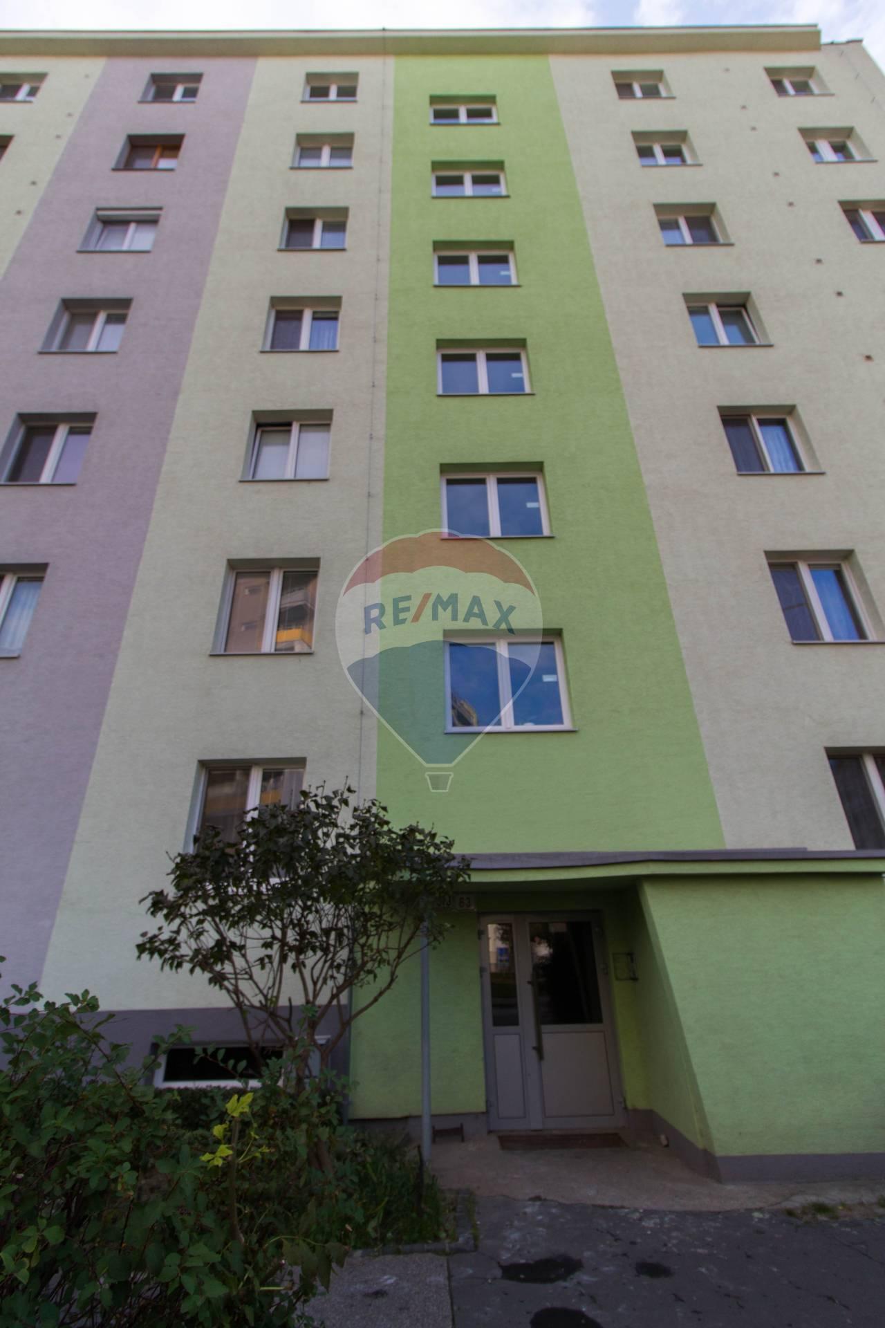 PREDAJ 1,5 izbového bytu v PÔVODNOM stave