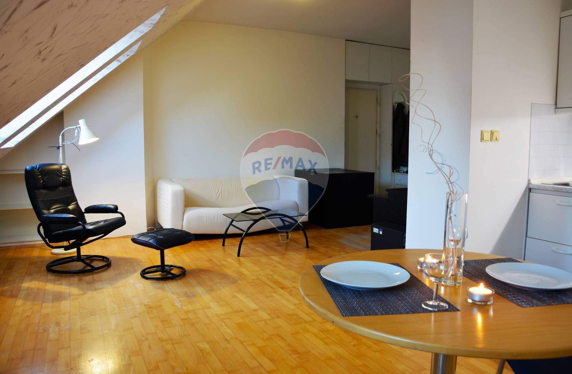 Prenájom bytu (2 izbový) 52 m2, Senec - Prenájom 2 izb. bytu v Senci, Kollárova ul., centrum