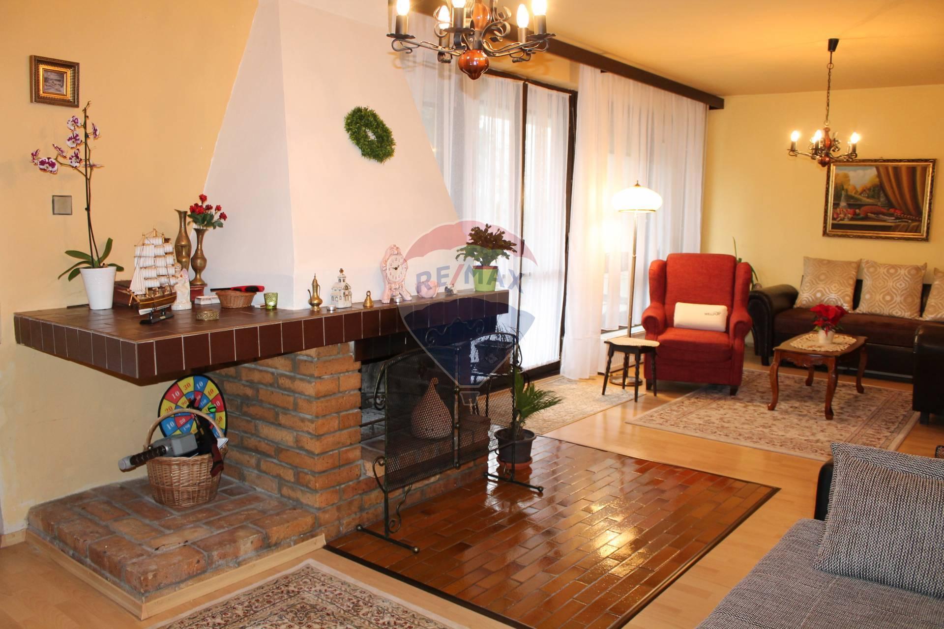 PREDAJ: 4izb. Rodinný dom, garáž, pozemok 572 m2, Senec.