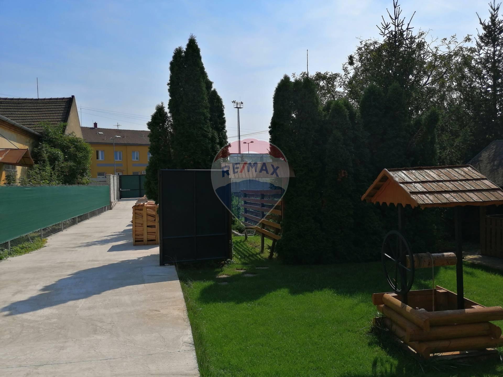 Predaj pozemku 766 m2, Pezinok – centrum