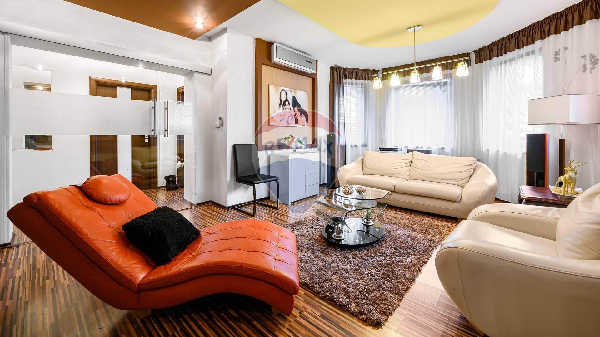 PREDAJ luxusného rodinného domu, Veľká Mača, bazén, hosťovský dom, sauna, garáže