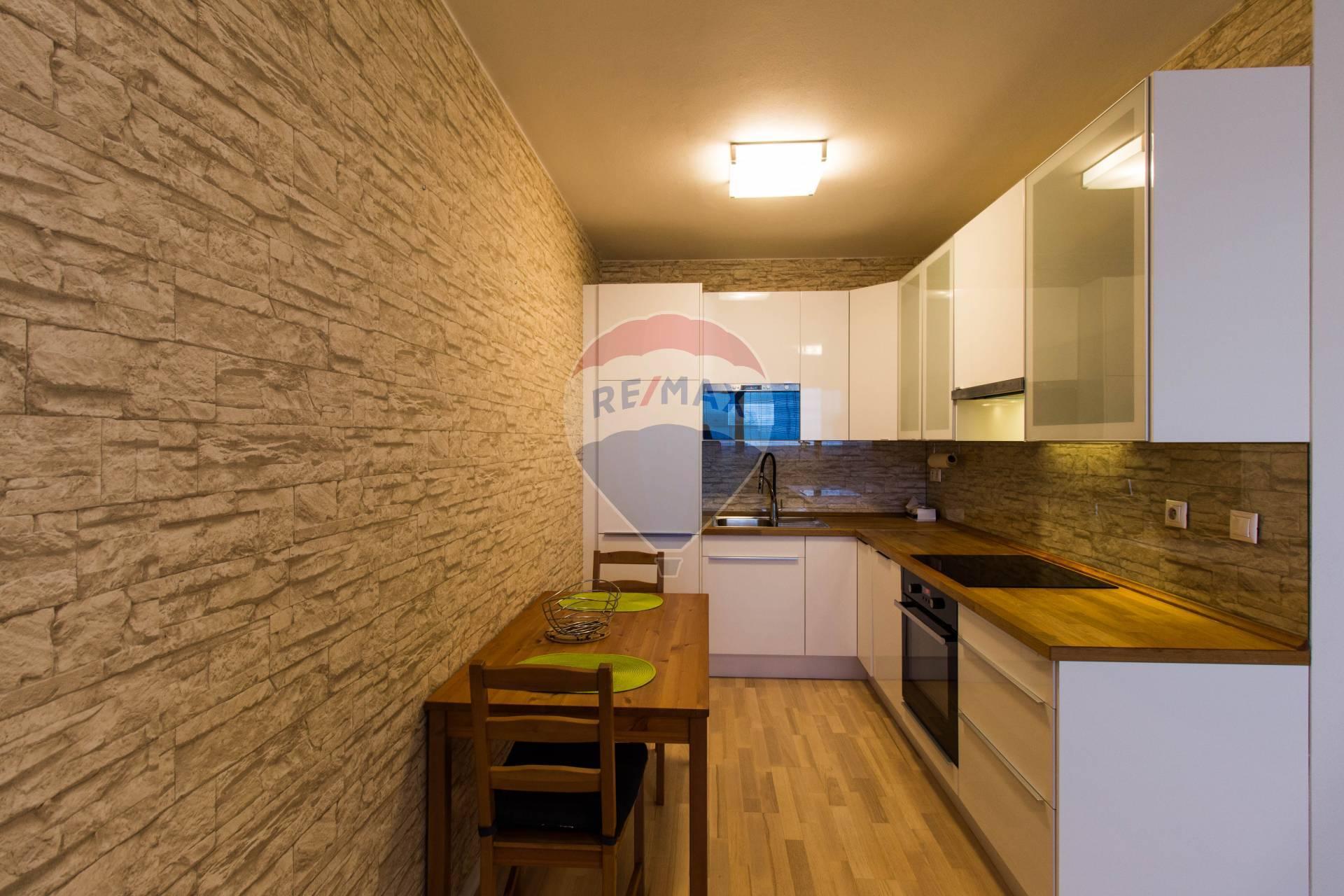 PRENÁJOM 2-izbového bytu, Lichnerova ulica, SENEC