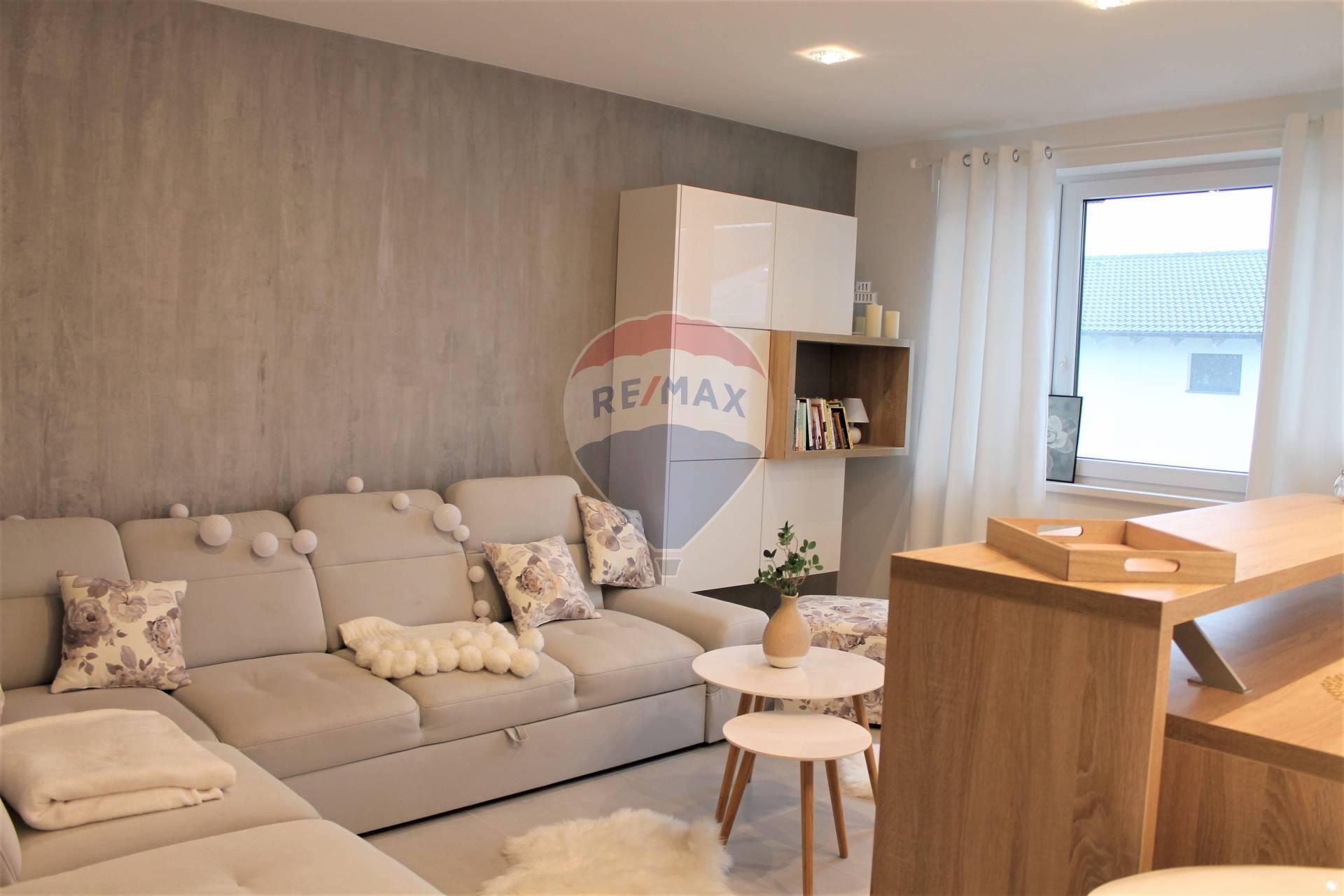 PRENÁJOM : 2 izbový byt, novostavba, kompletne zariadený, Marhuľová ul., Senec.