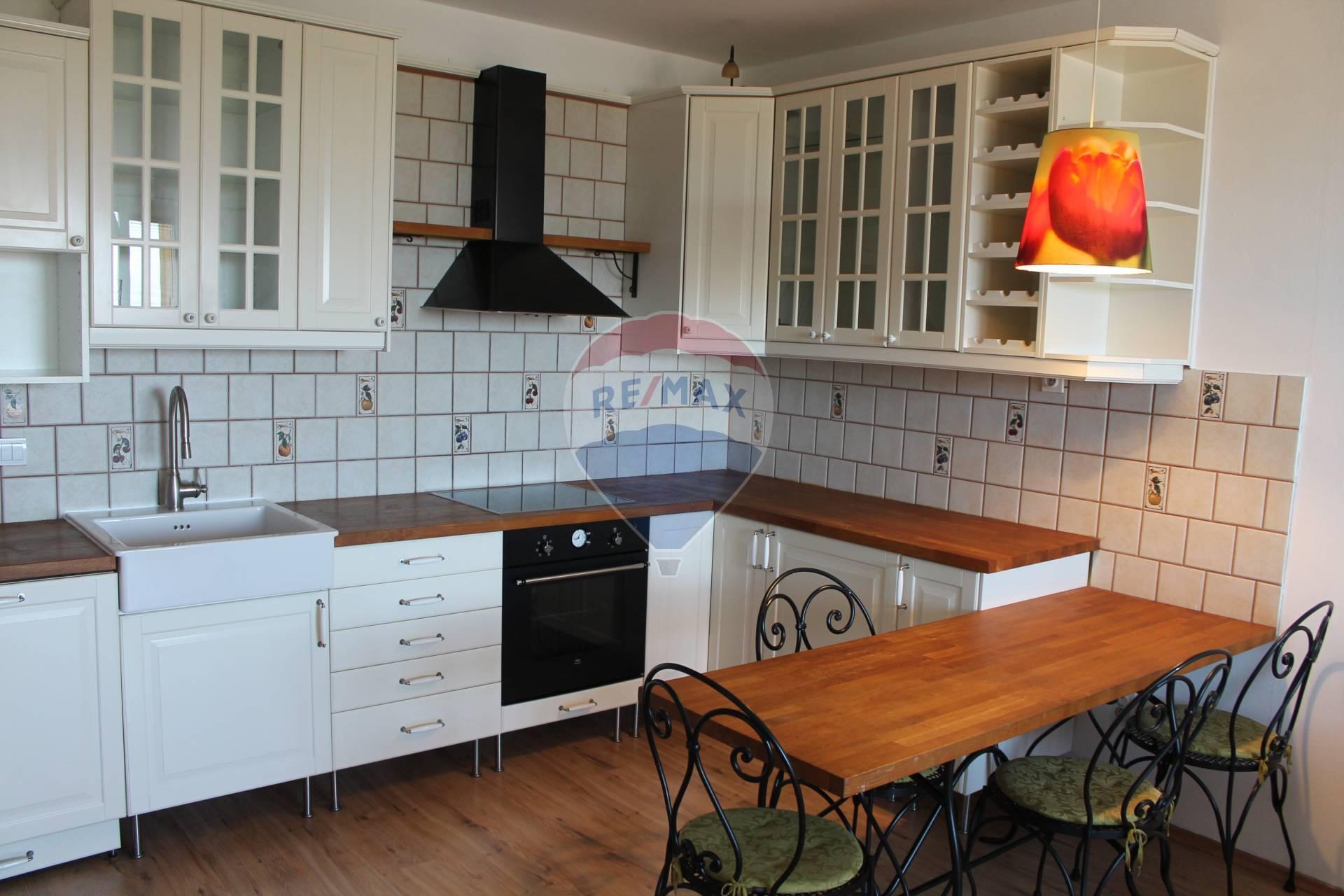 PREDAJ : 3 izb. byt 77 m2, novostavba, parkovacie miesto, Zemplínska ul., Senec.