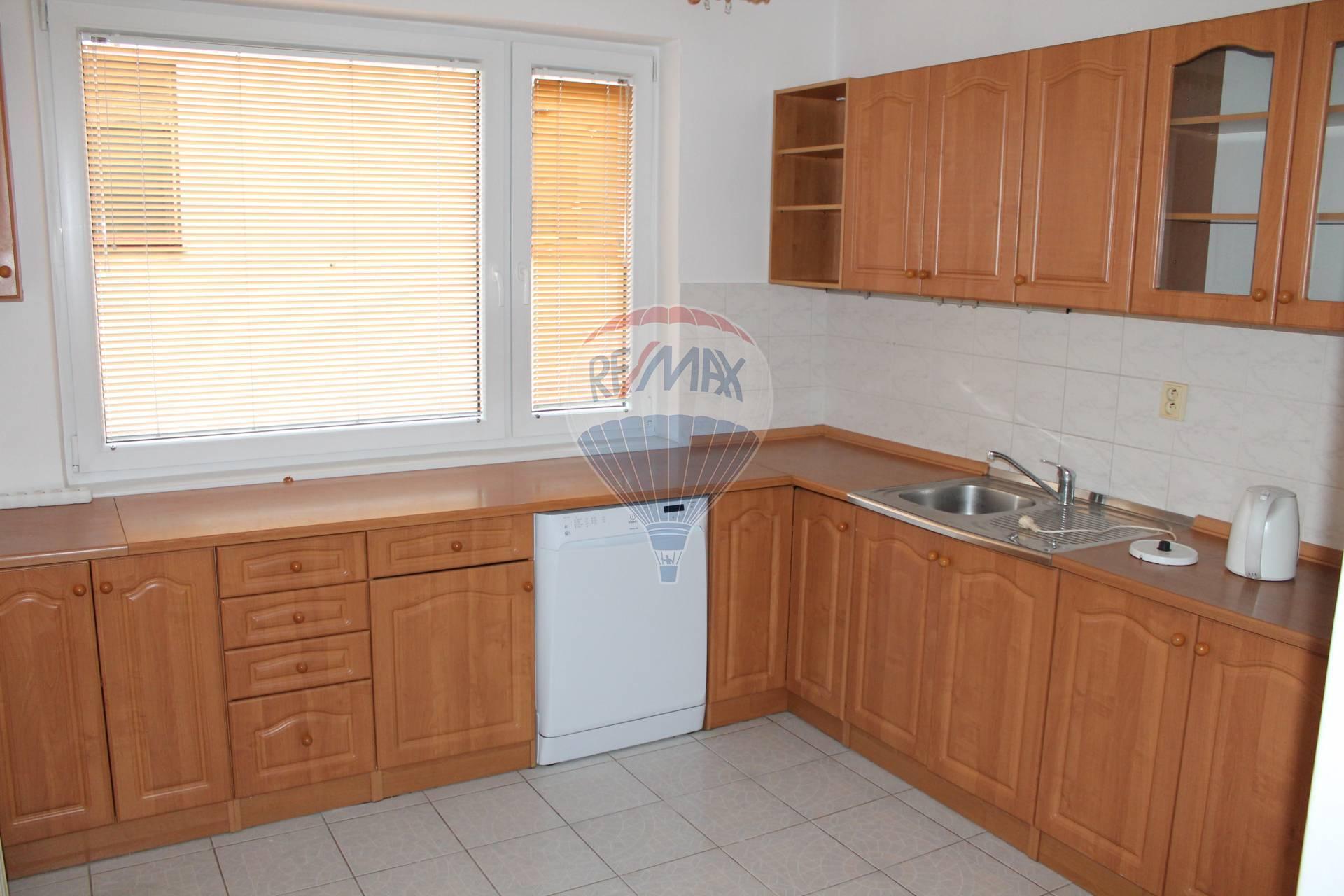 PRENÁJOM 3 ib. byt, mezonet 120 m2, A.Sládkoviča , Senec.