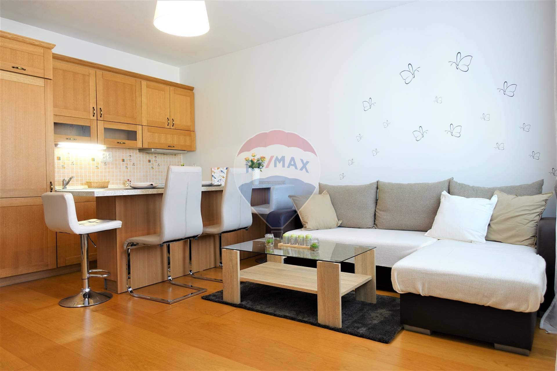 Predaj 1 izb. zariadeného bytu v Senci, nadštandardné materiály, Pezinská ul.