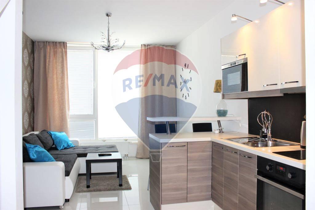 Prenájom 2 izb. bytu, 46 m2, terasa, Senec, Novostavba, mezonet, zariadený, Turecká ul.