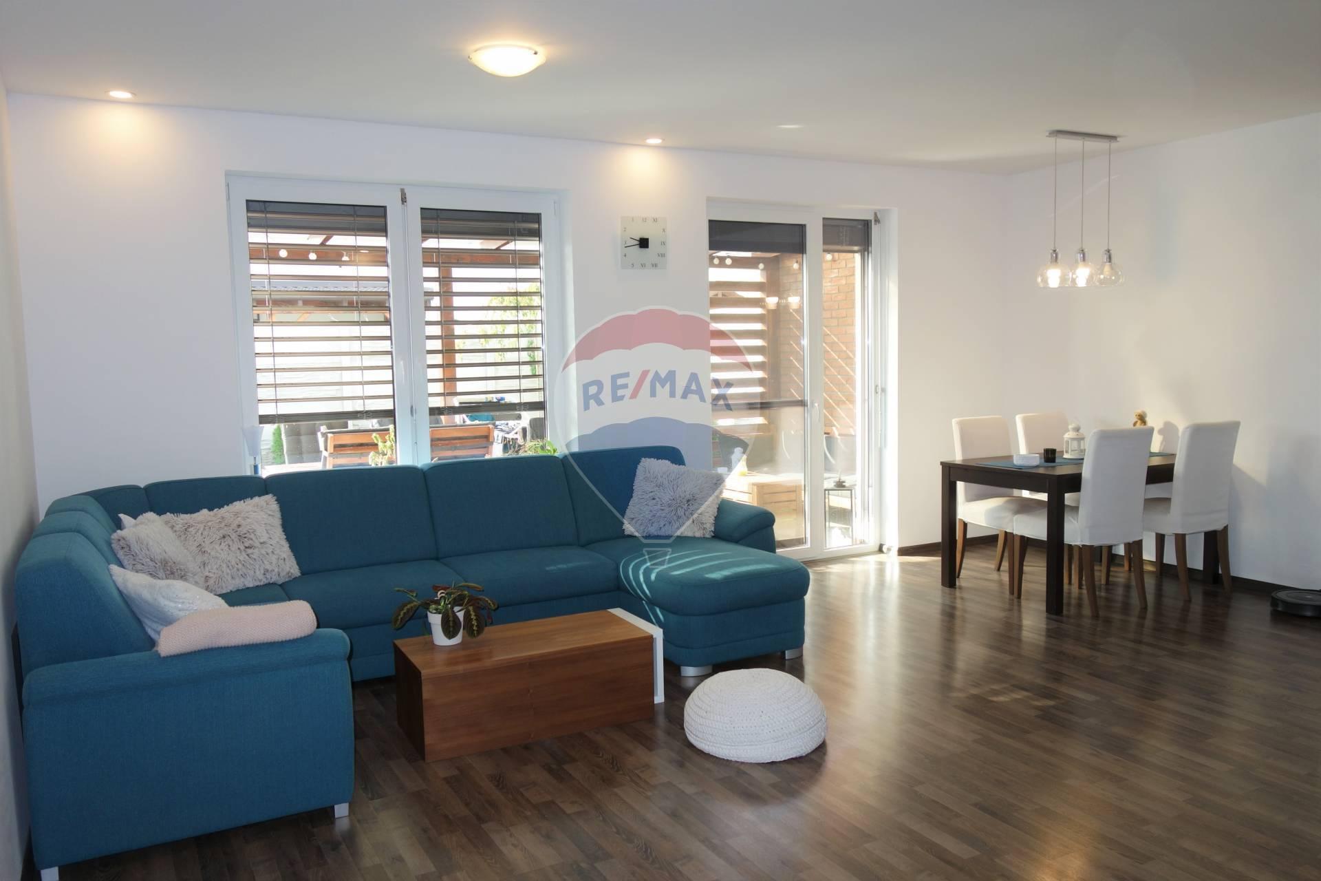 Predaj 3 izb. bytu, novostavba, parkovacie státie, záhrada, Ekoosada