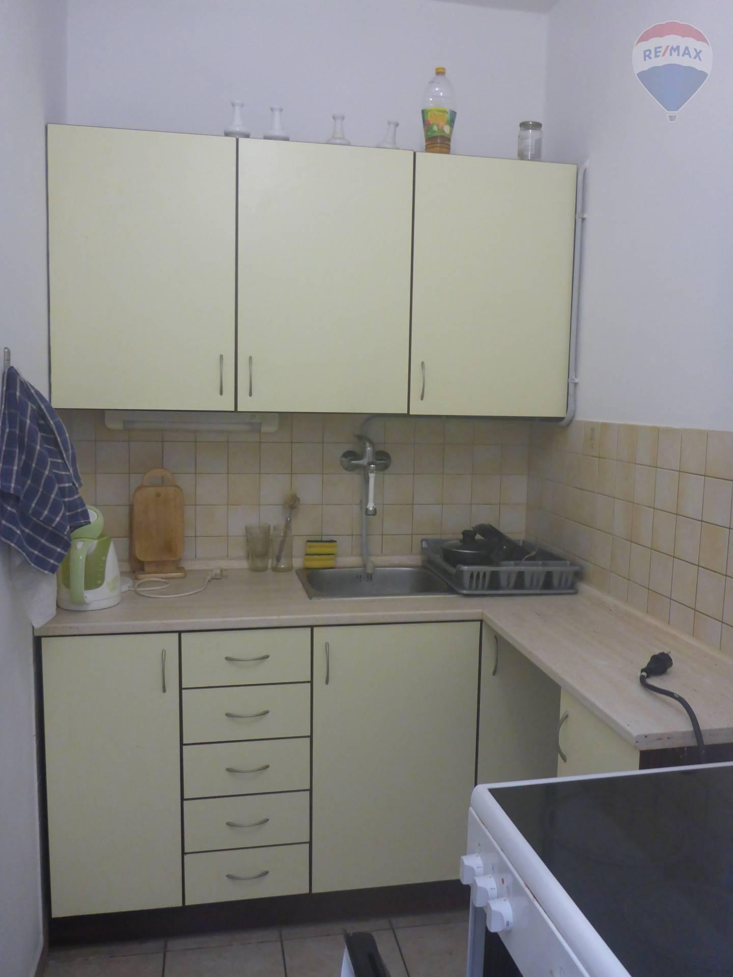 Prenájom komerčného priestoru 130 m2, Bratislava - Petržalka -